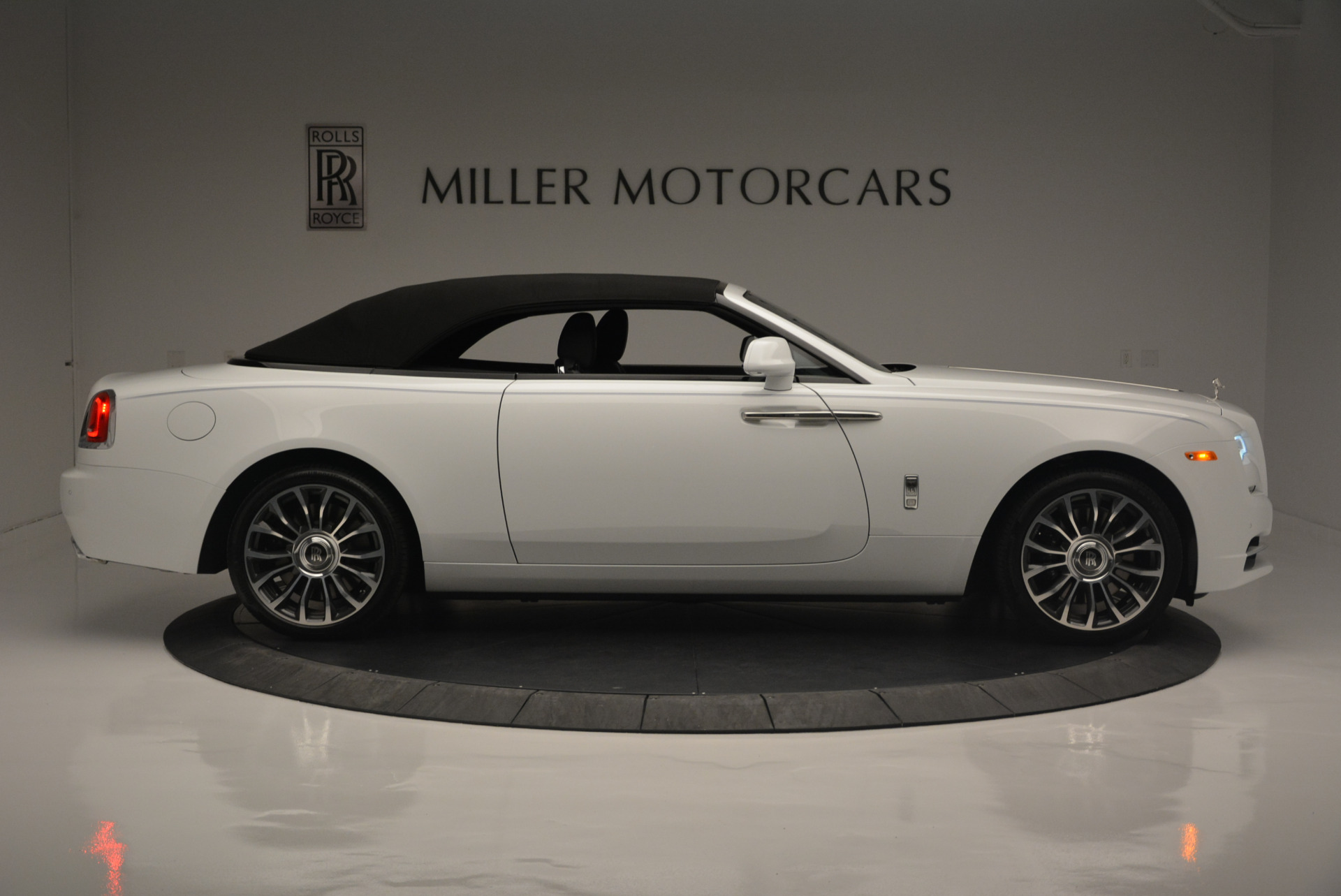 Used 2018 Rolls-Royce Dawn  For Sale In Greenwich, CT 2181_p14
