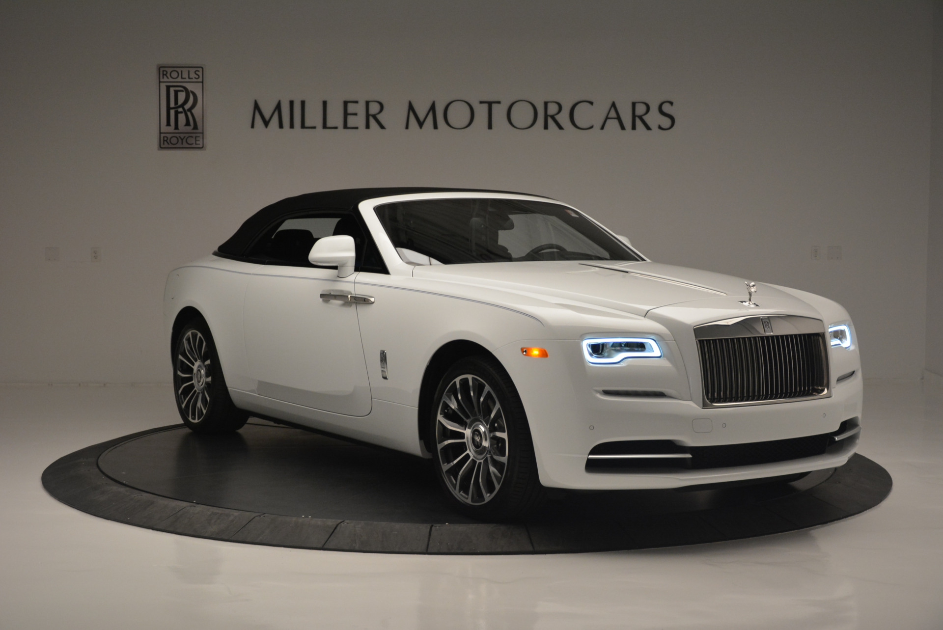 Used 2018 Rolls-Royce Dawn  For Sale In Greenwich, CT 2181_p15