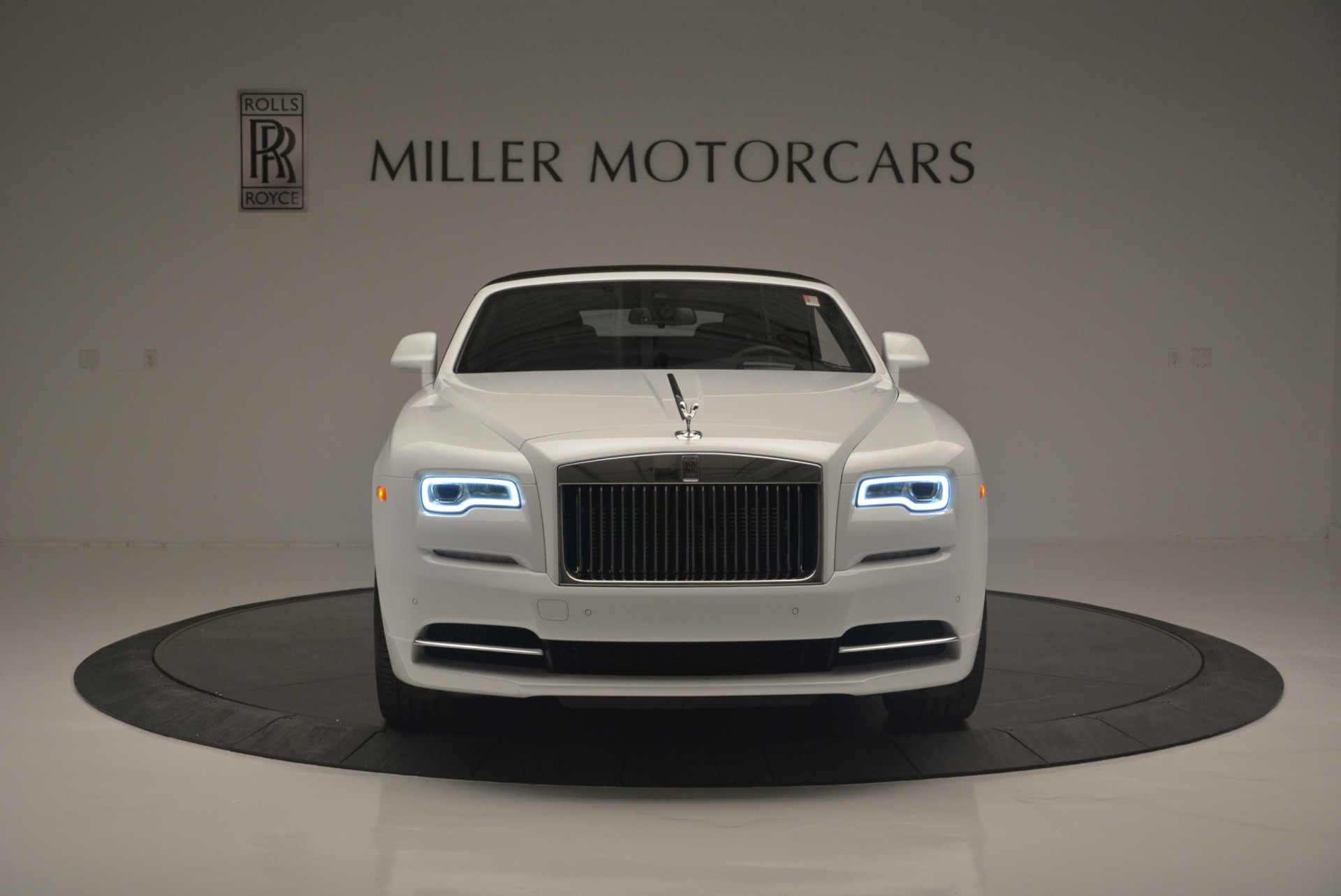 Used 2018 Rolls-Royce Dawn  For Sale In Greenwich, CT 2181_p16