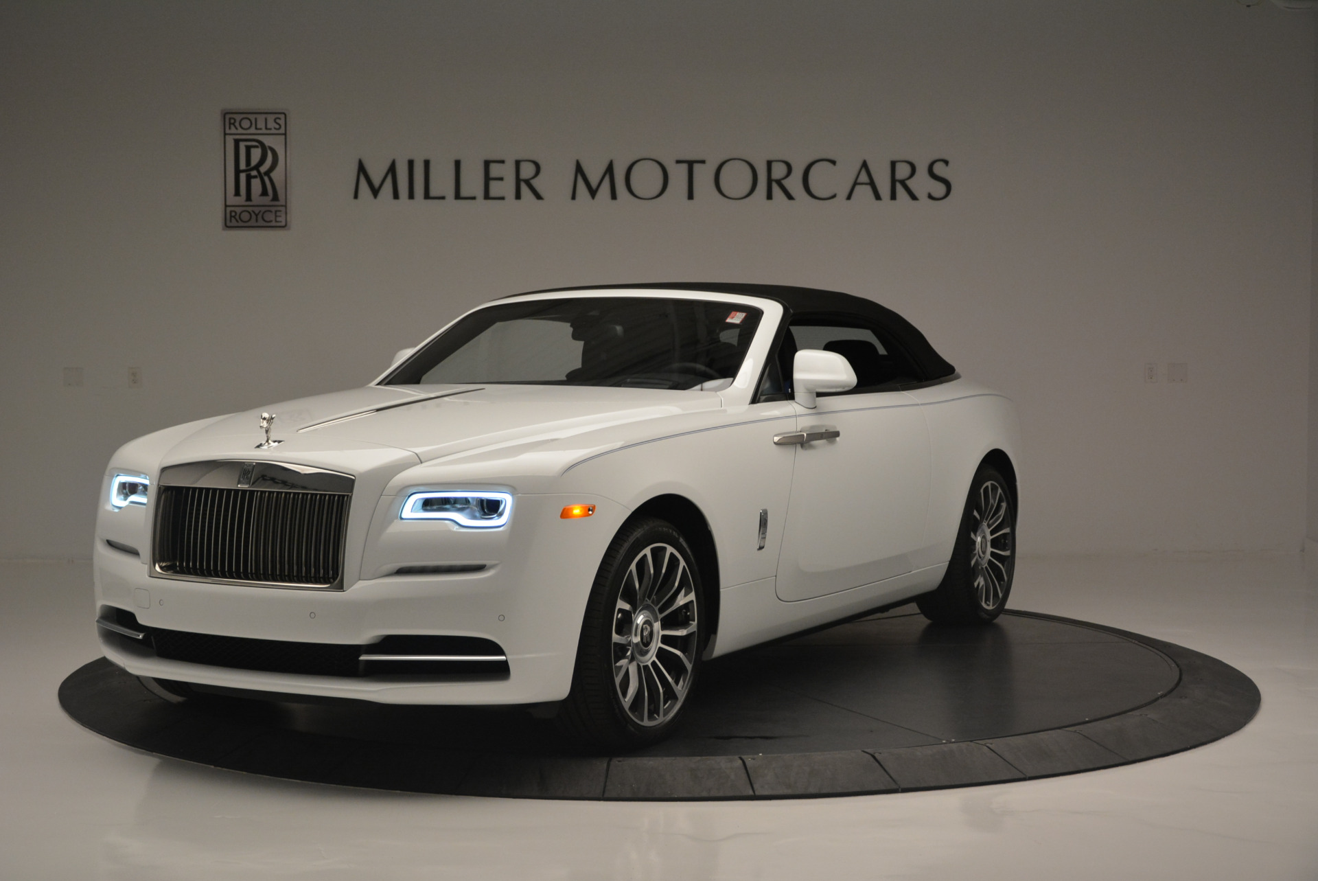 Used 2018 Rolls-Royce Dawn  For Sale In Greenwich, CT 2181_p9