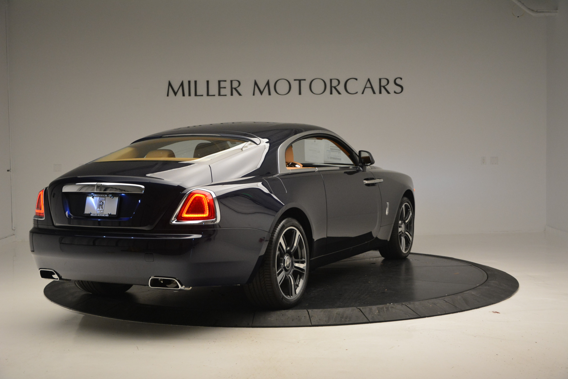 Used 2016 Rolls-Royce Wraith  For Sale In Greenwich, CT 219_p5