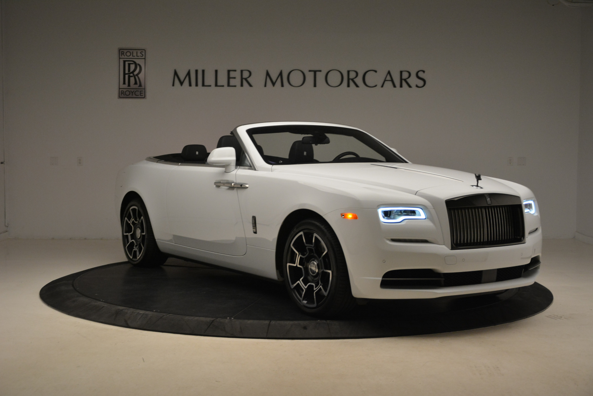 New 2018 Rolls-Royce Dawn Black Badge For Sale In Greenwich, CT 2195_p11
