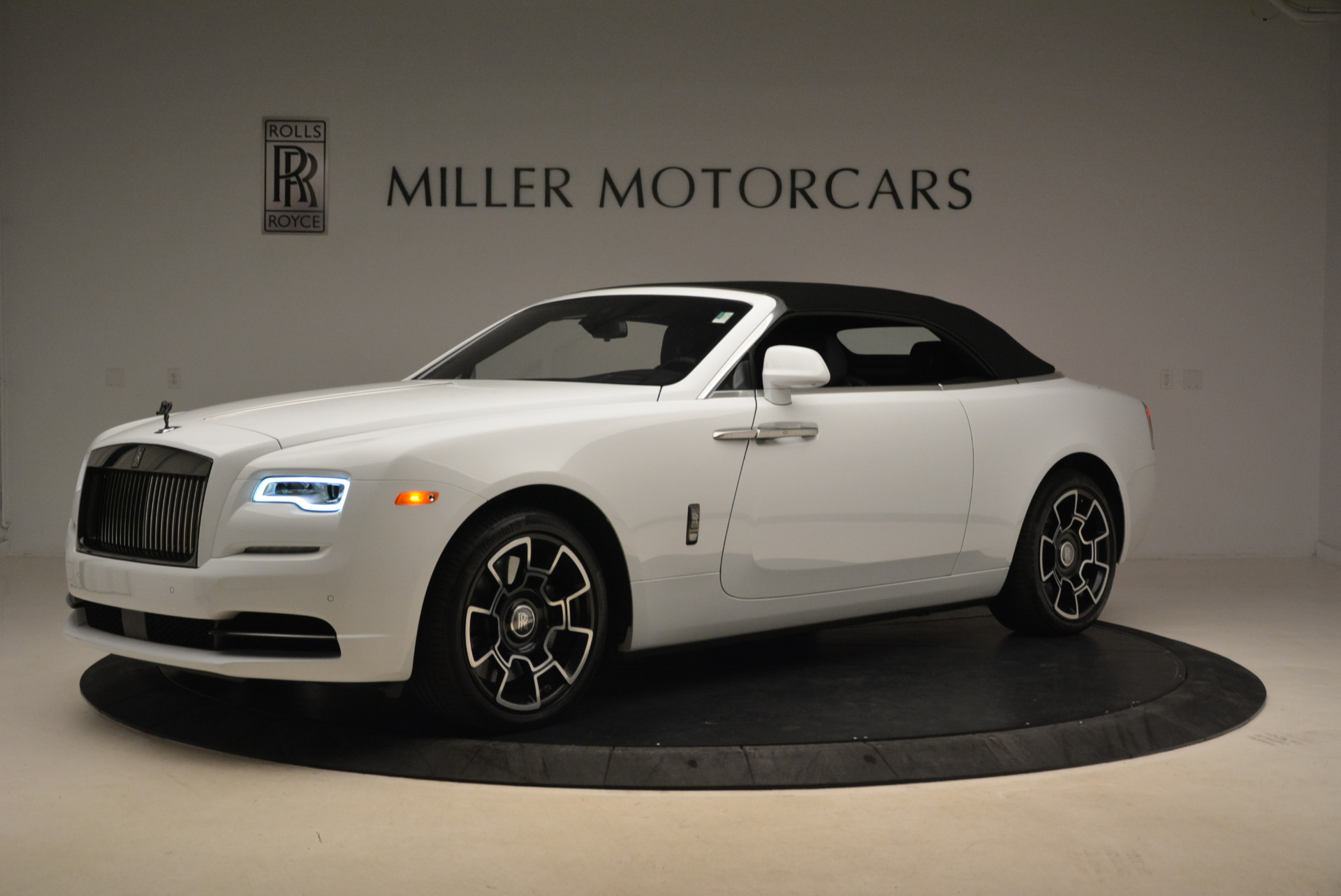 New 2018 Rolls-Royce Dawn Black Badge For Sale In Greenwich, CT 2195_p14