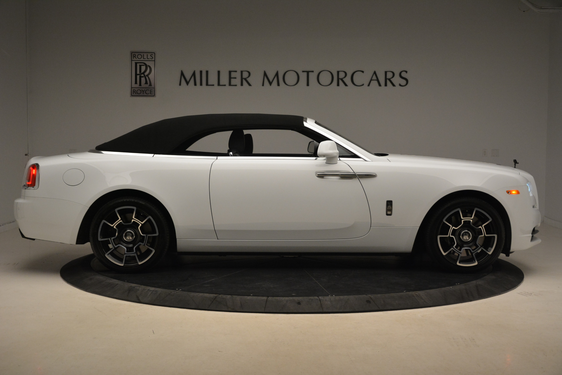 New 2018 Rolls-Royce Dawn Black Badge For Sale In Greenwich, CT 2195_p22