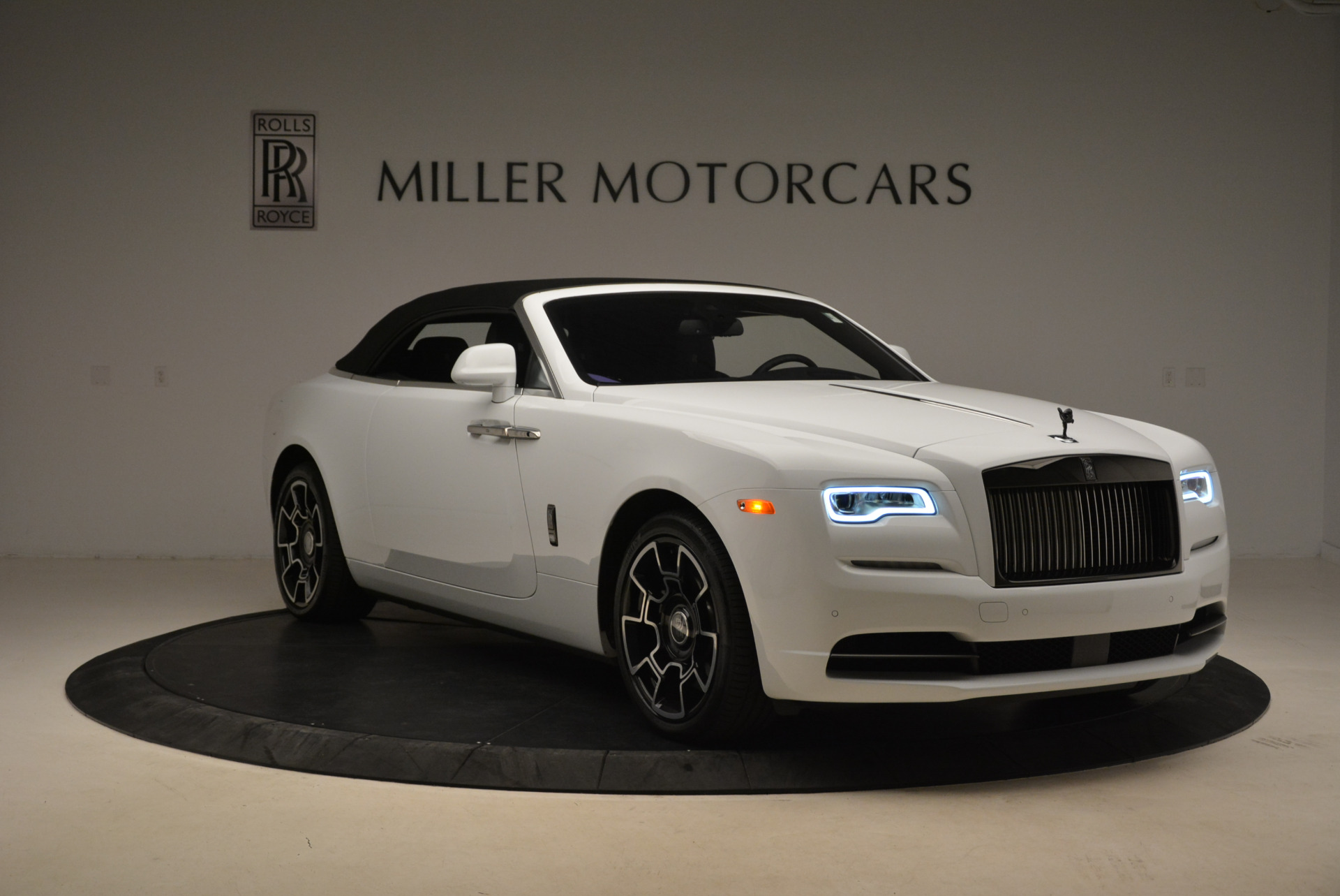 New 2018 Rolls-Royce Dawn Black Badge For Sale In Greenwich, CT 2195_p24