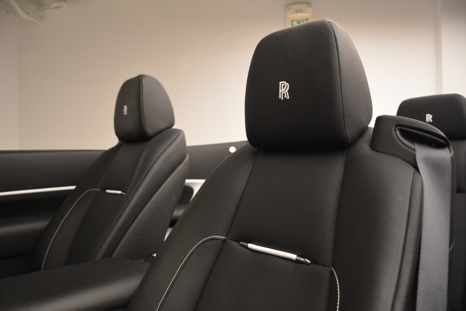New 2018 Rolls-Royce Dawn Black Badge For Sale In Greenwich, CT 2195_p28