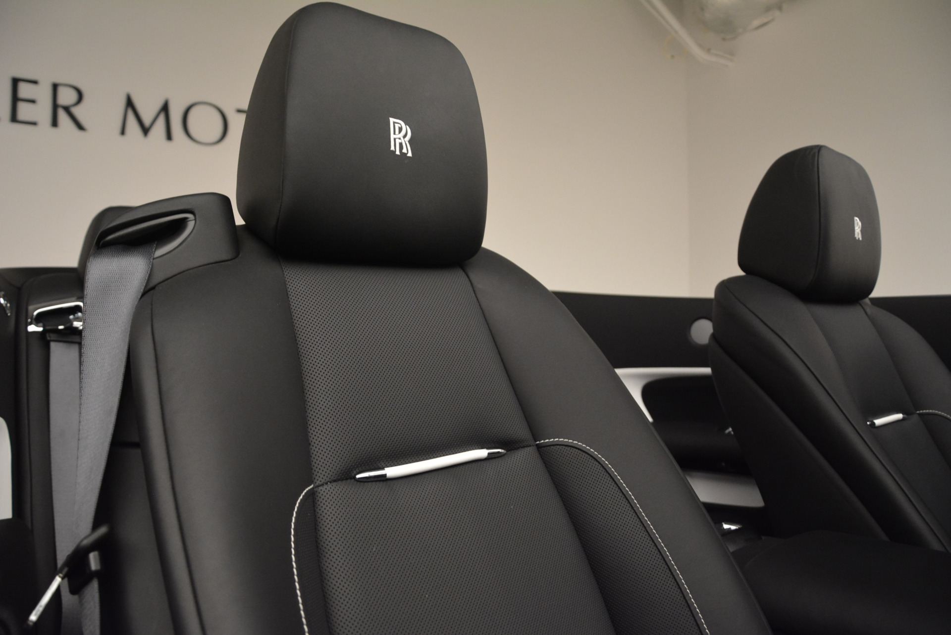 New 2018 Rolls-Royce Dawn Black Badge For Sale In Greenwich, CT 2195_p37