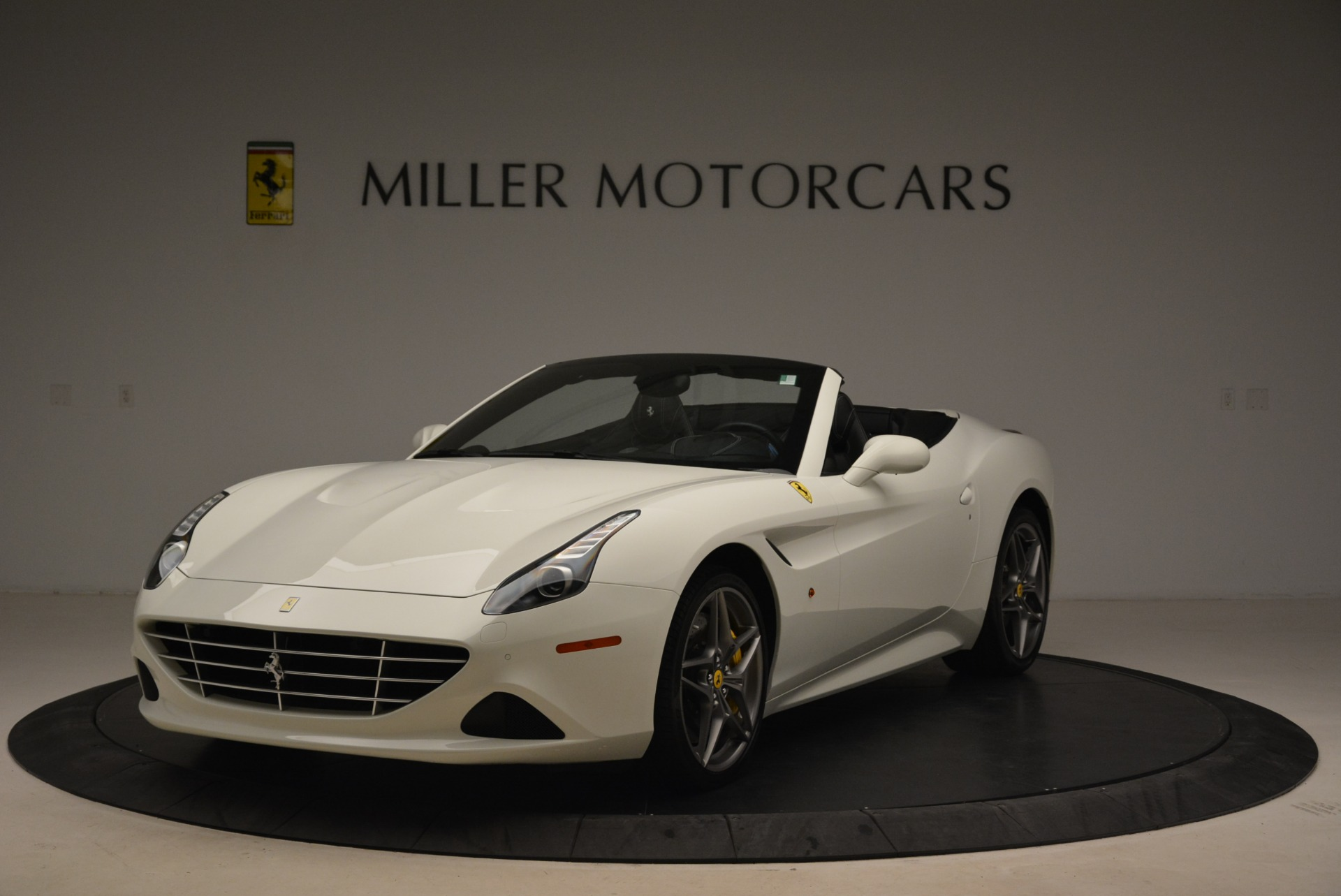 Used 2015 Ferrari California T  For Sale In Greenwich, CT 2199_main