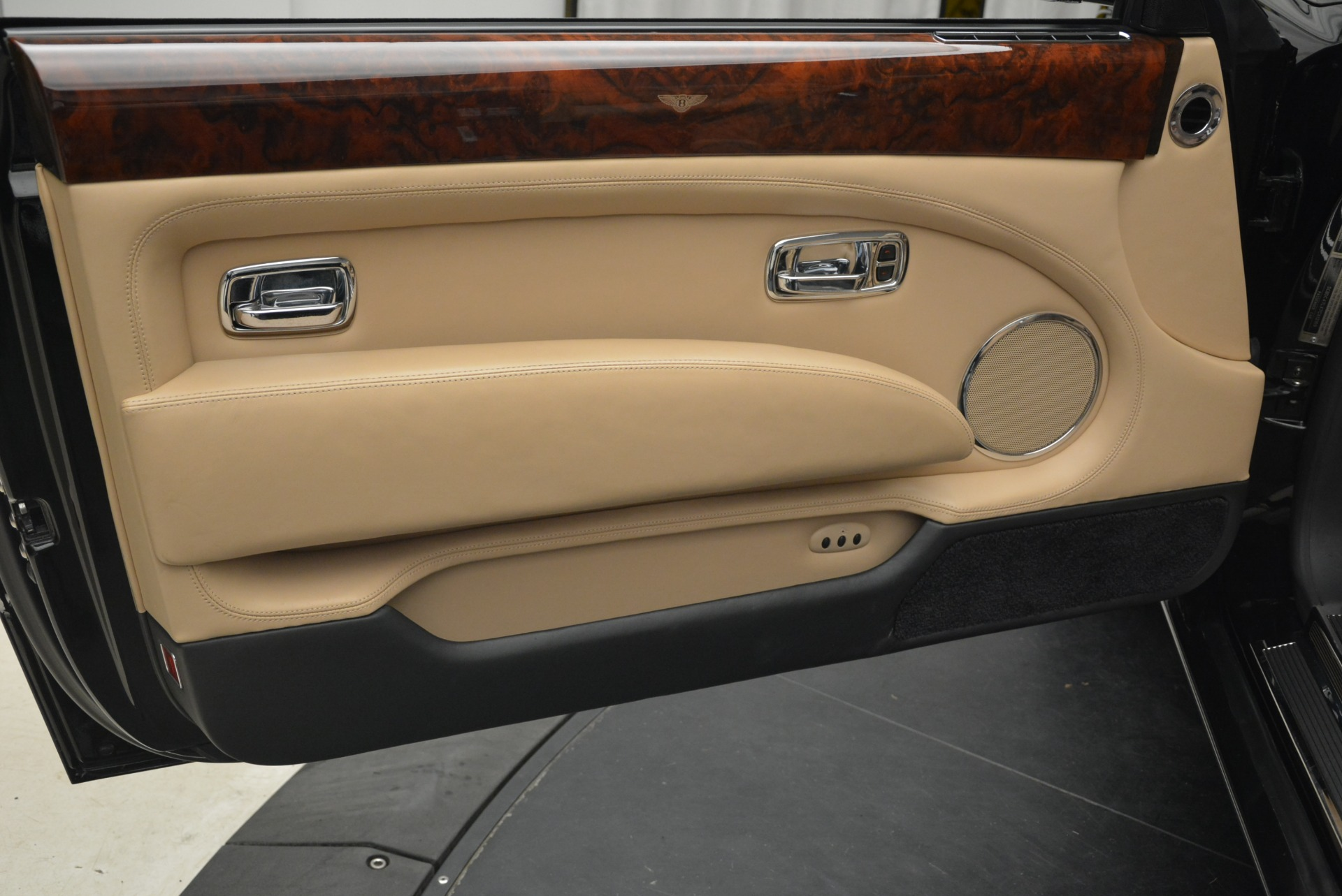 Used 2007 Bentley Azure  For Sale In Greenwich, CT 2203_p35
