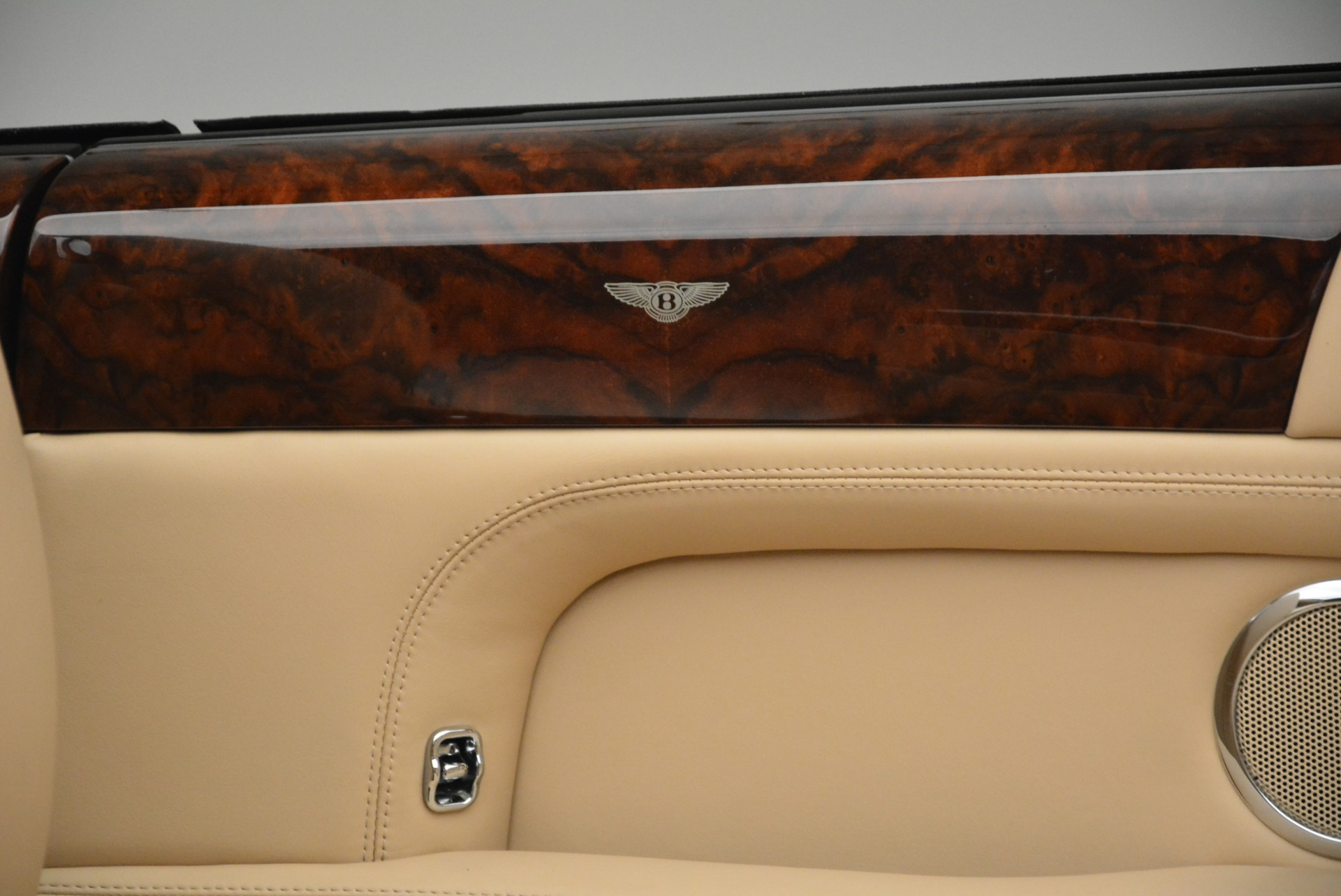 Used 2007 Bentley Azure  For Sale In Greenwich, CT 2203_p36