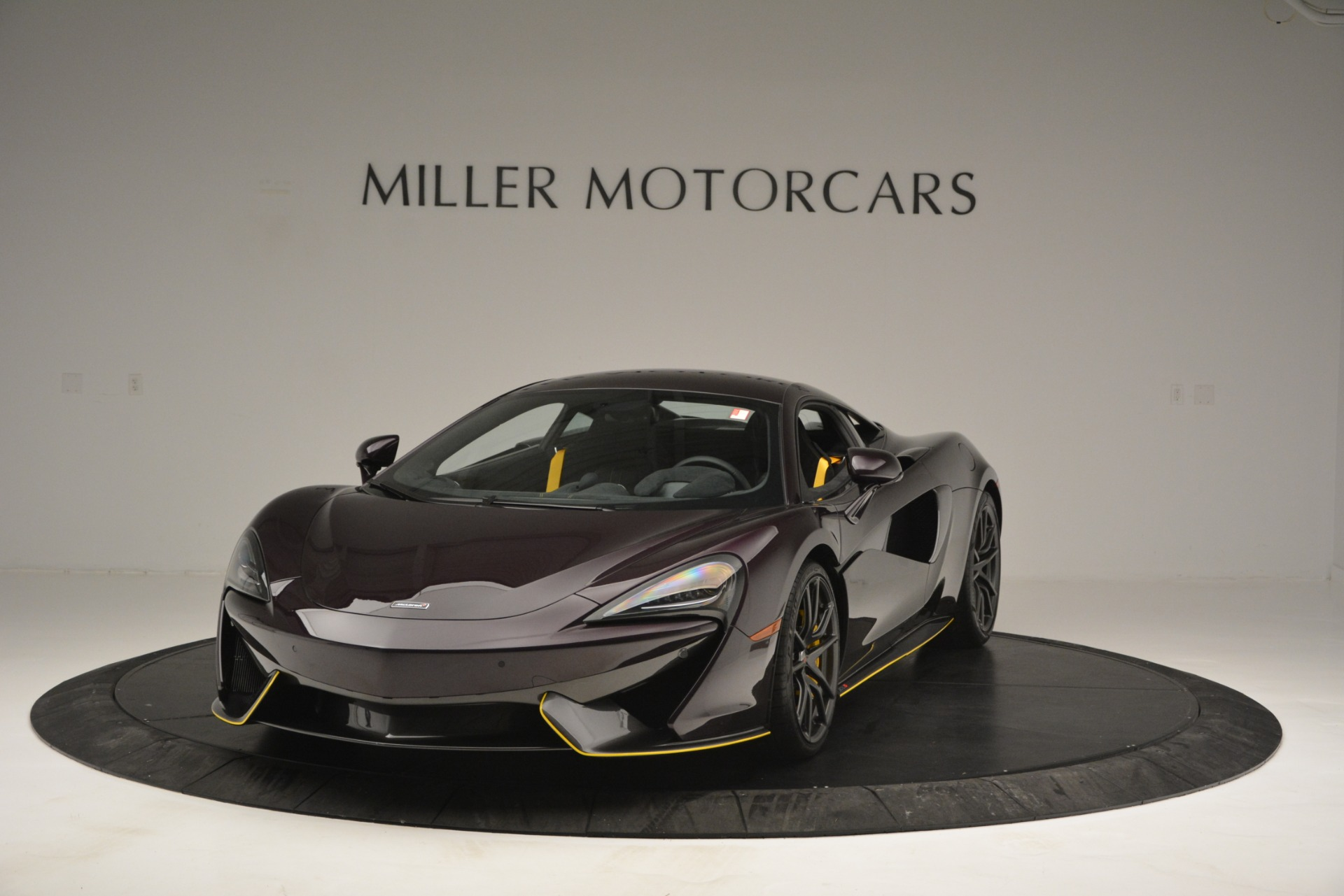 Used 2018 McLaren 570S  For Sale In Greenwich, CT