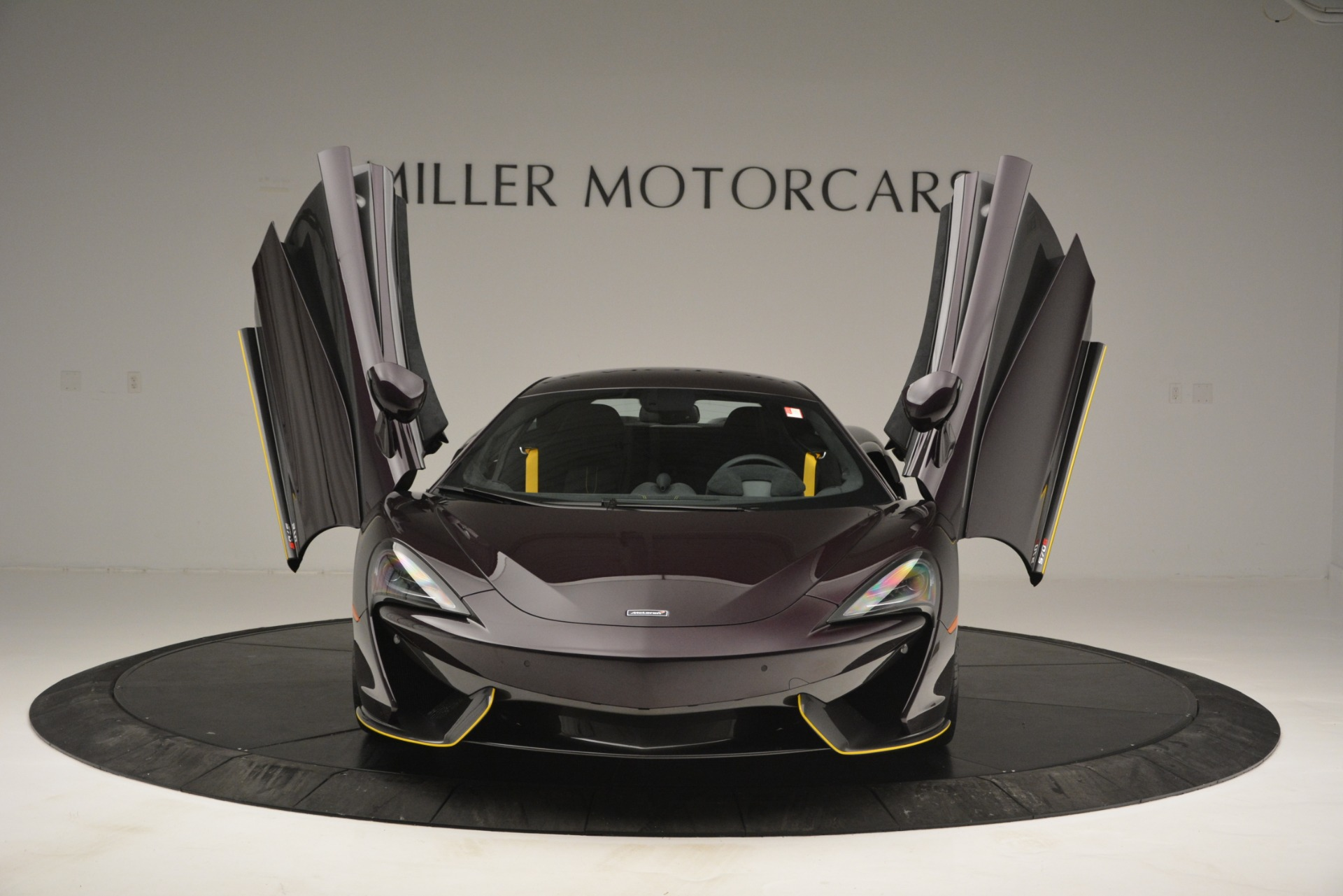 Used 2018 McLaren 570S  For Sale In Greenwich, CT 2204_p13