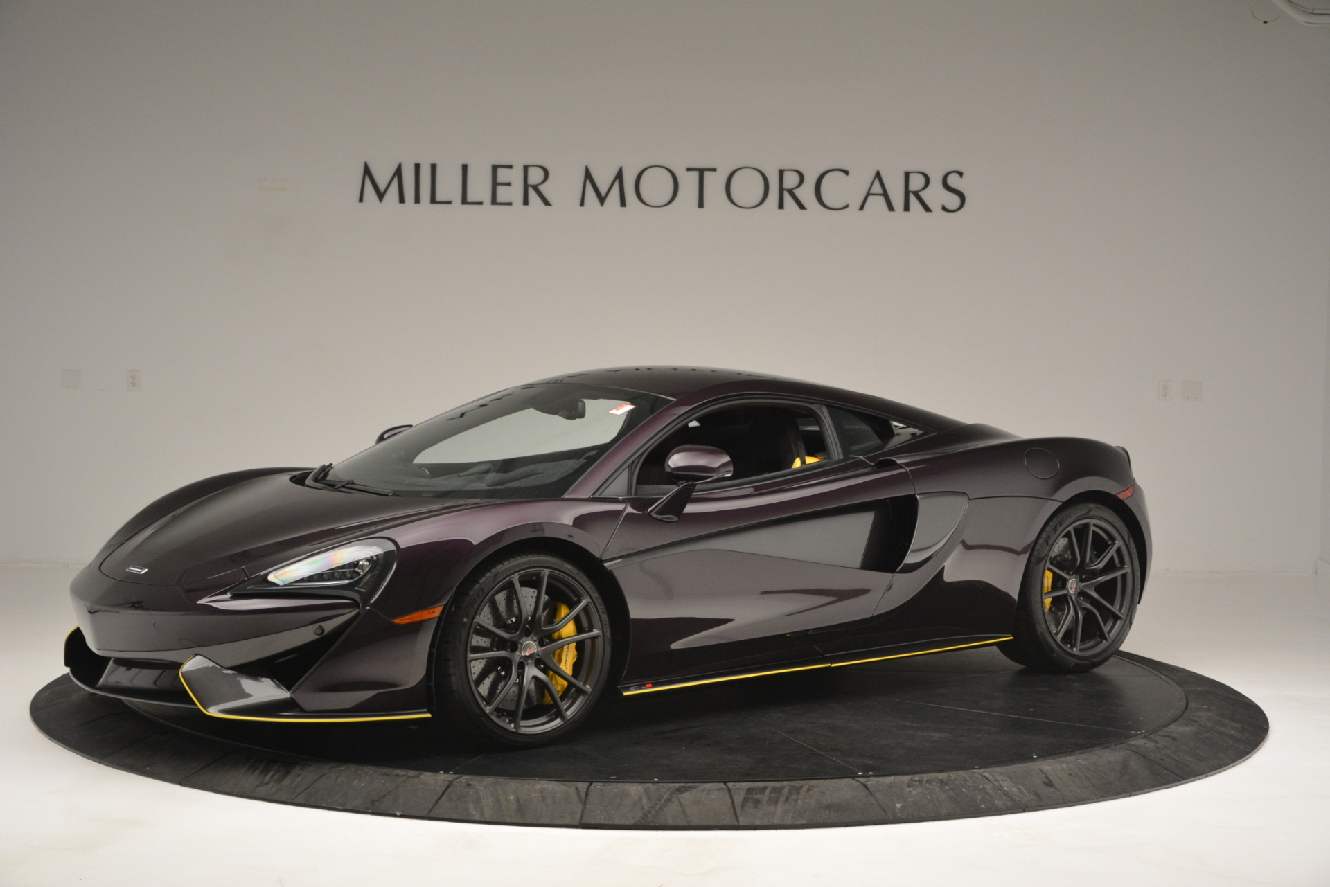Used 2018 McLaren 570S  For Sale In Greenwich, CT 2204_p2