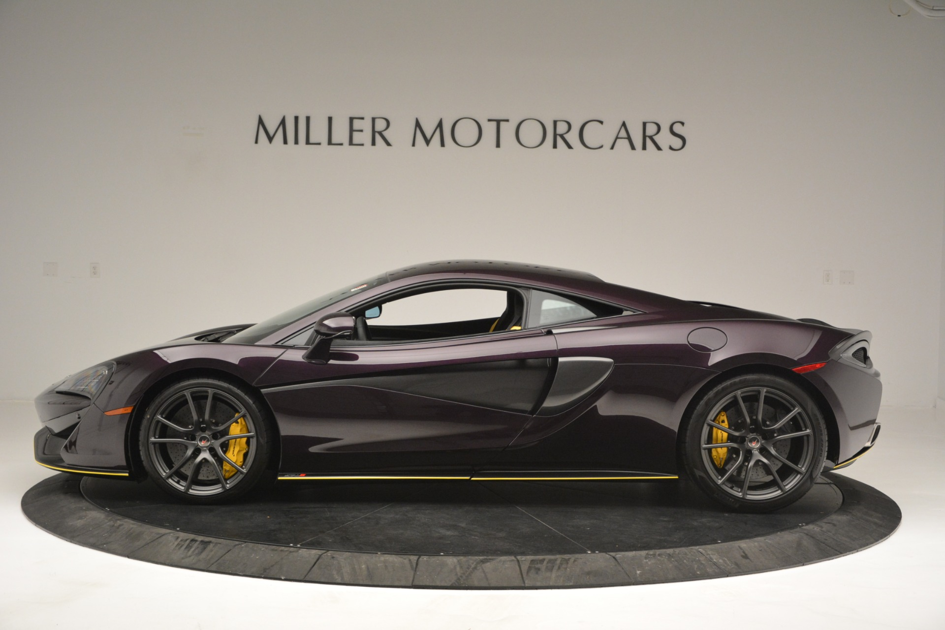 Used 2018 McLaren 570S  For Sale In Greenwich, CT 2204_p3
