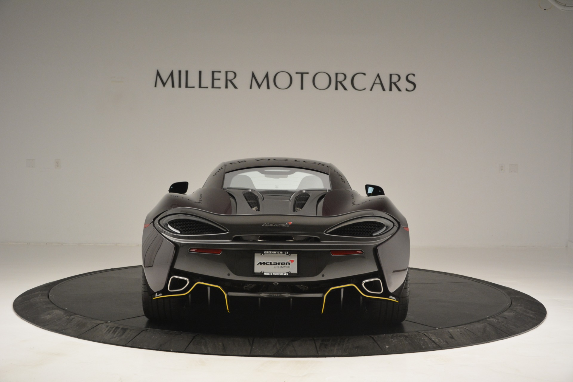Used 2018 McLaren 570S  For Sale In Greenwich, CT 2204_p6
