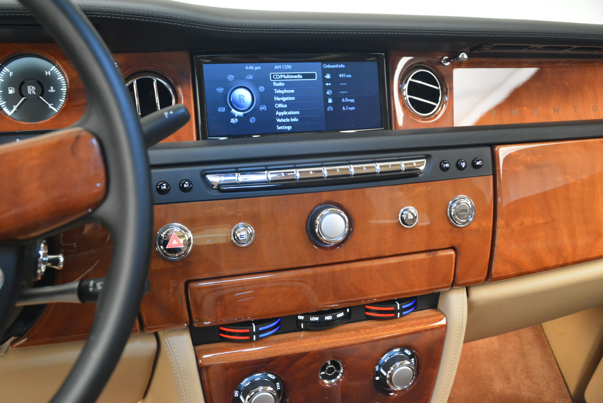 Used 2013 Rolls-Royce Phantom  For Sale In Greenwich, CT 2208_p16