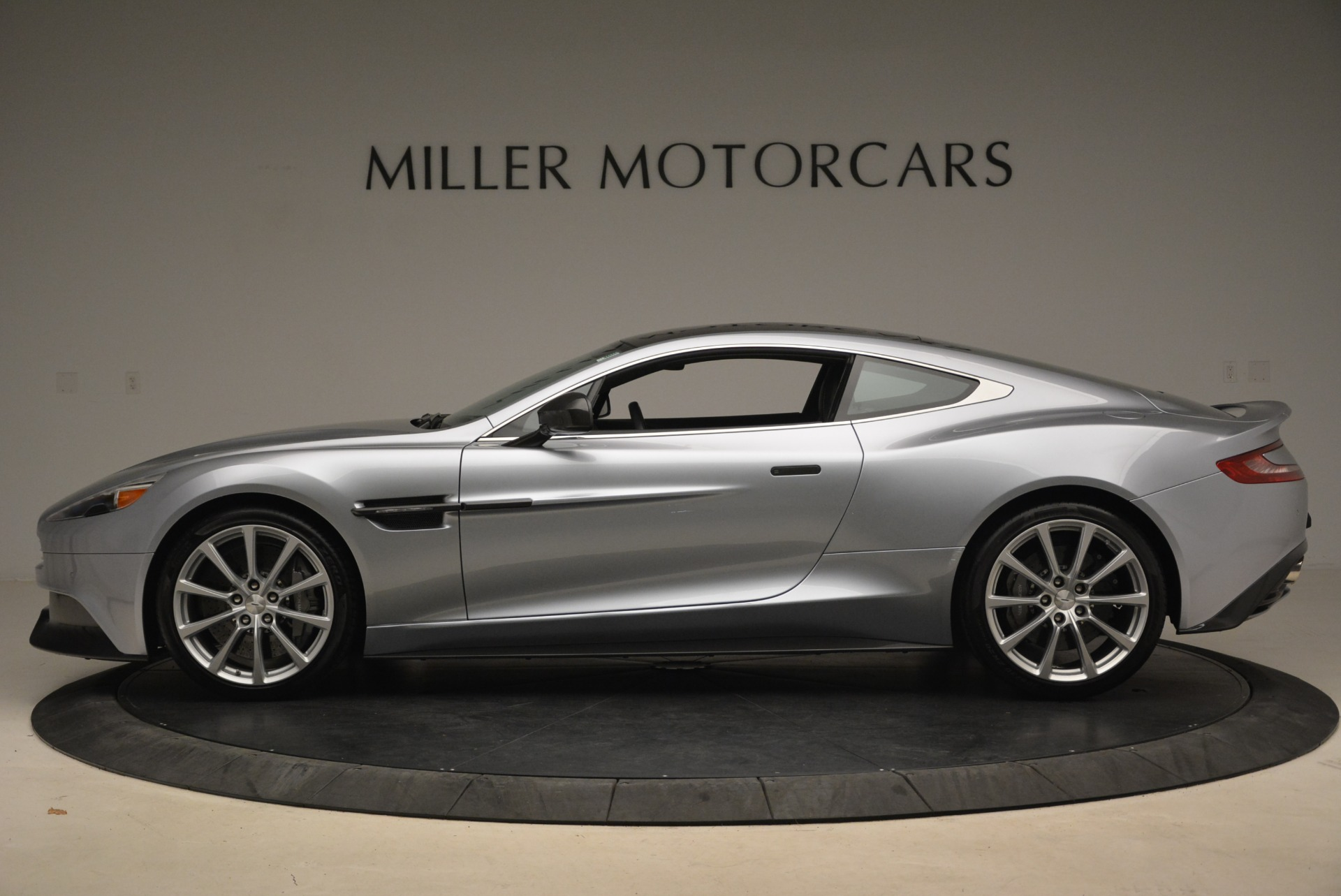 Used 2014 Aston Martin Vanquish  For Sale In Greenwich, CT 2212_p3