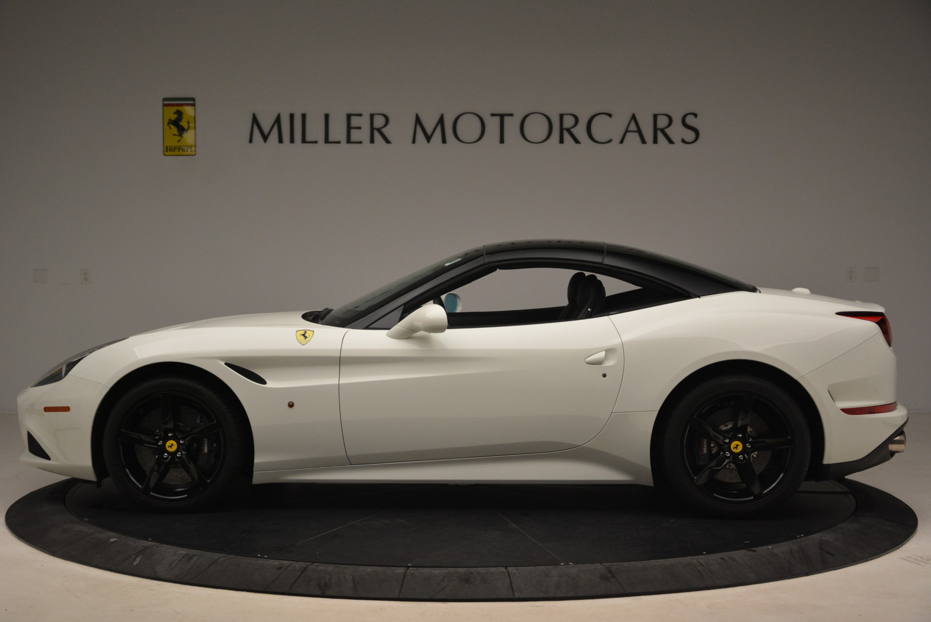 Used 2016 Ferrari California T  For Sale In Greenwich, CT 2213_p15