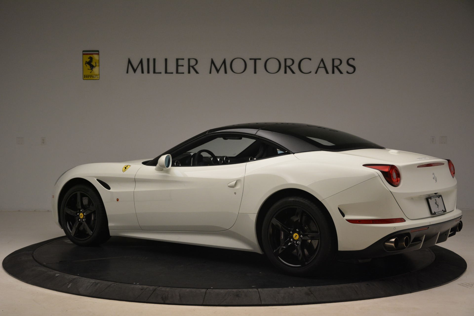 Used 2016 Ferrari California T  For Sale In Greenwich, CT 2213_p16