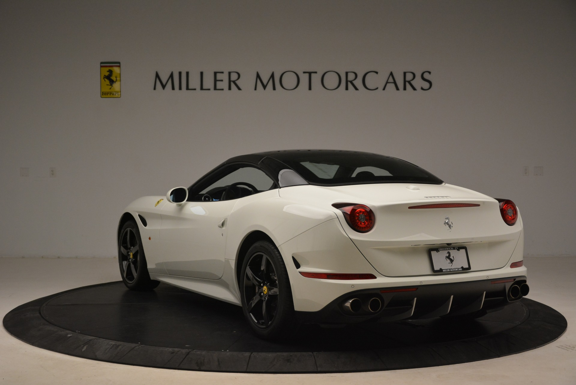 Used 2016 Ferrari California T  For Sale In Greenwich, CT 2213_p17