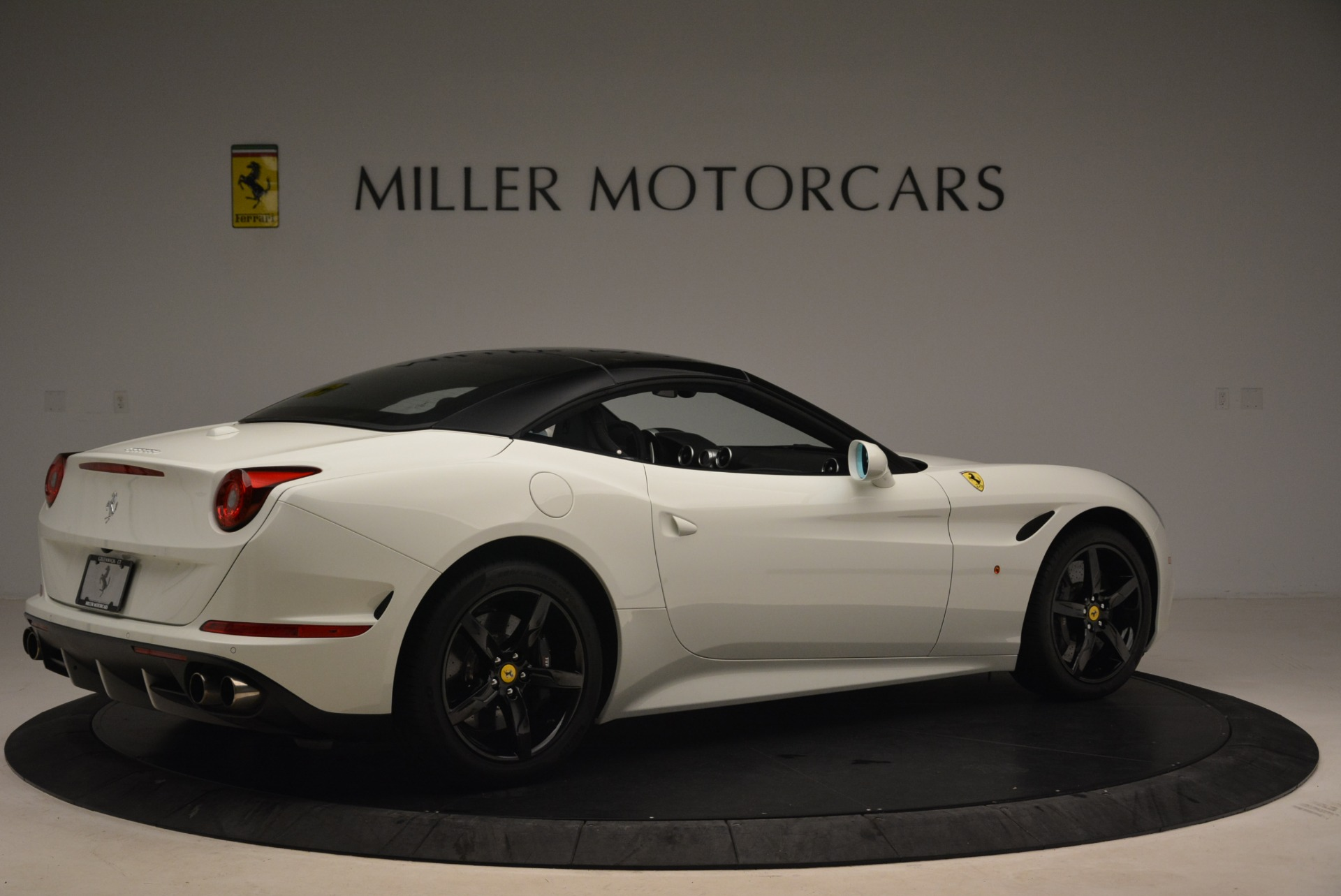 Used 2016 Ferrari California T  For Sale In Greenwich, CT 2213_p20