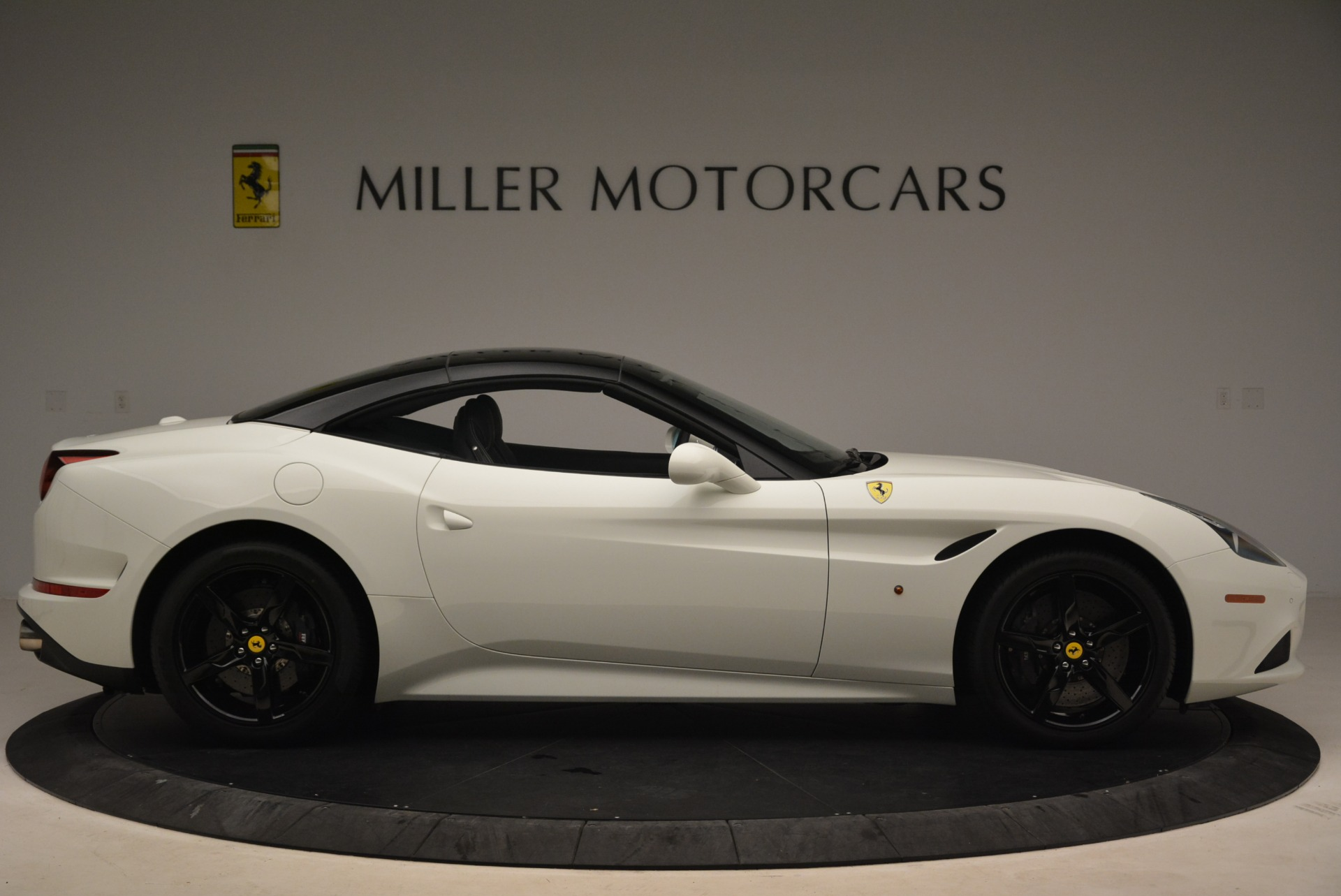 Used 2016 Ferrari California T  For Sale In Greenwich, CT 2213_p21