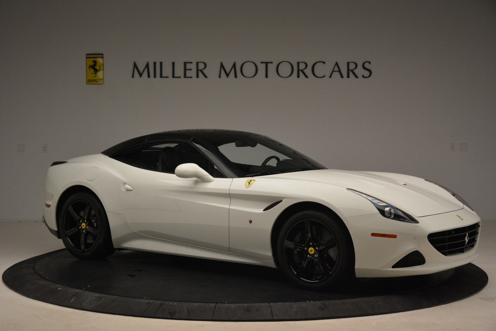 Used 2016 Ferrari California T  For Sale In Greenwich, CT 2213_p22