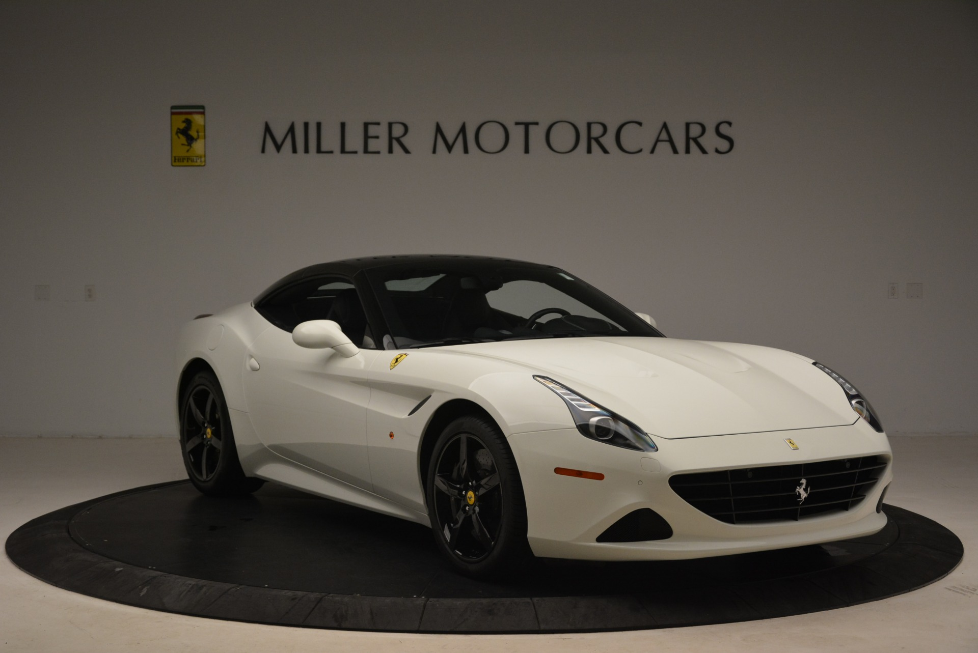 Used 2016 Ferrari California T  For Sale In Greenwich, CT 2213_p23