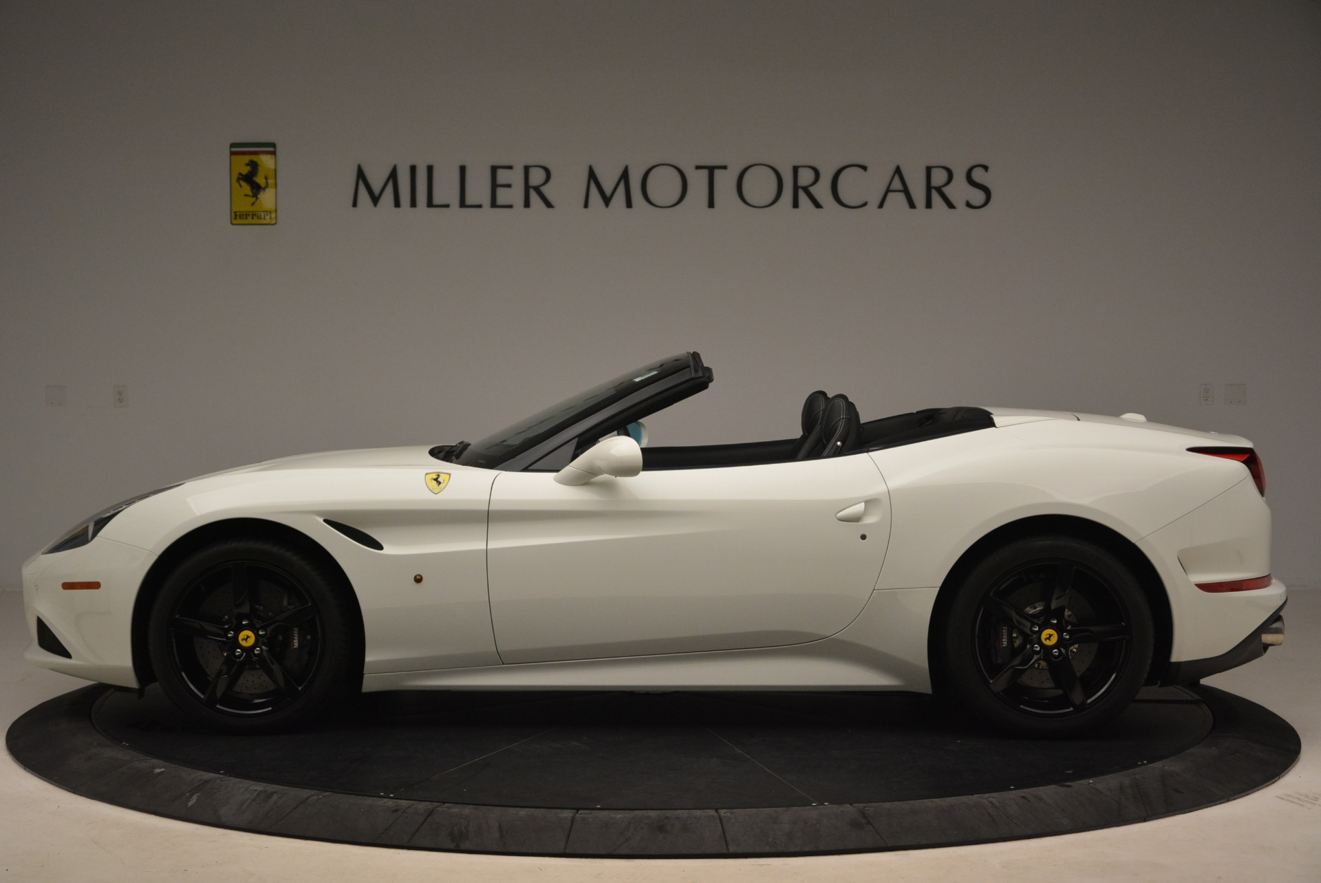 Used 2016 Ferrari California T  For Sale In Greenwich, CT 2213_p3