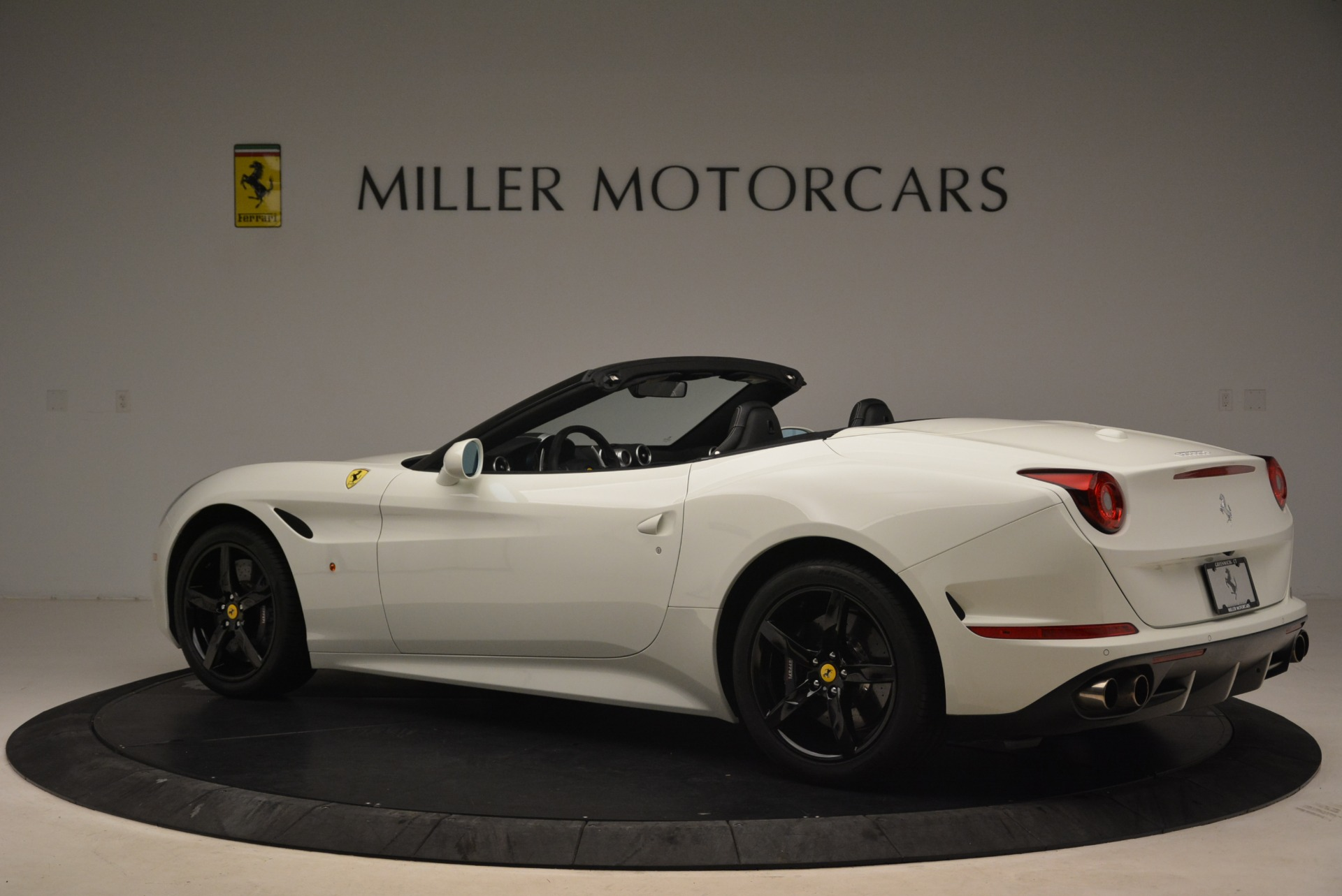 Used 2016 Ferrari California T  For Sale In Greenwich, CT 2213_p4