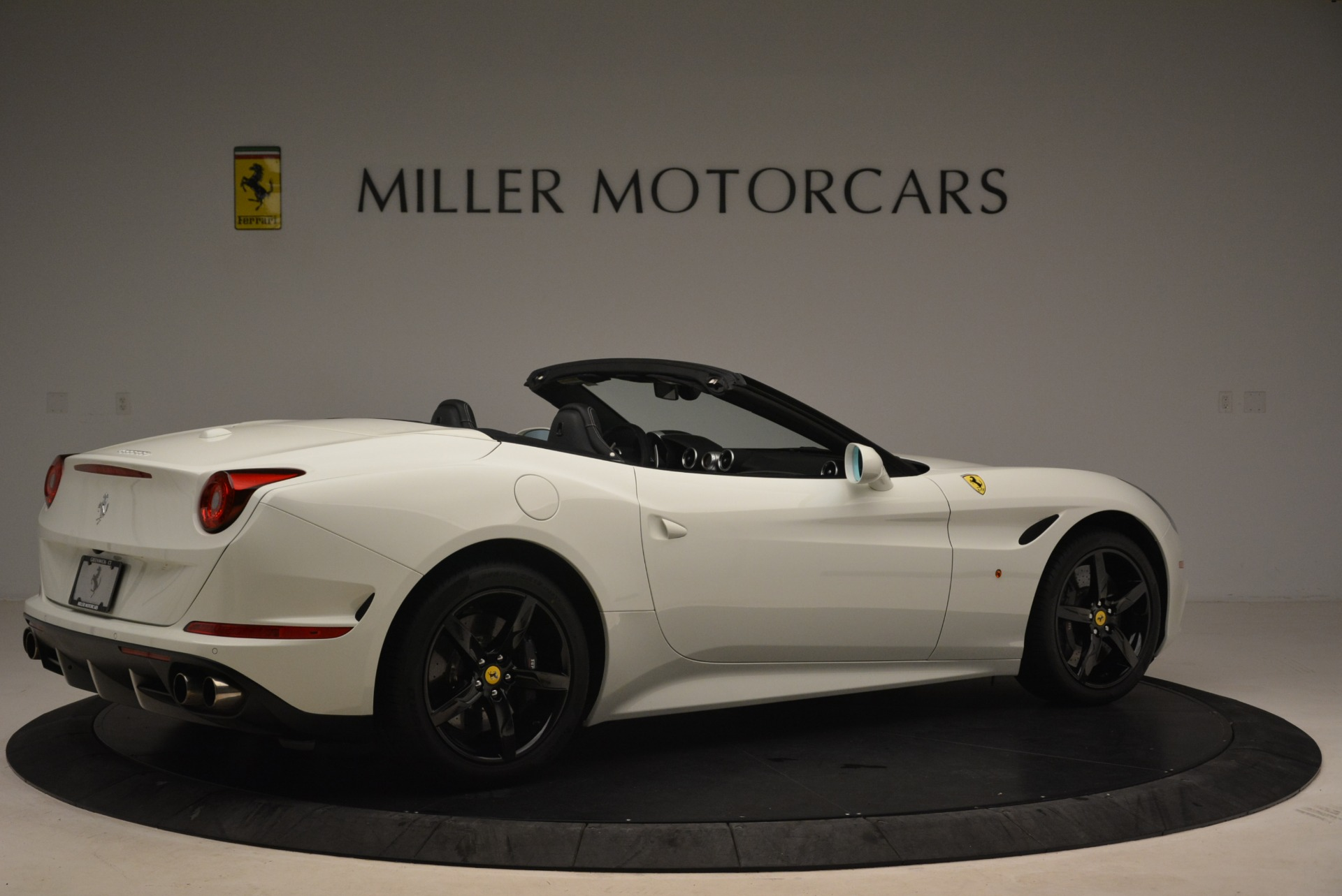 Used 2016 Ferrari California T  For Sale In Greenwich, CT 2213_p8