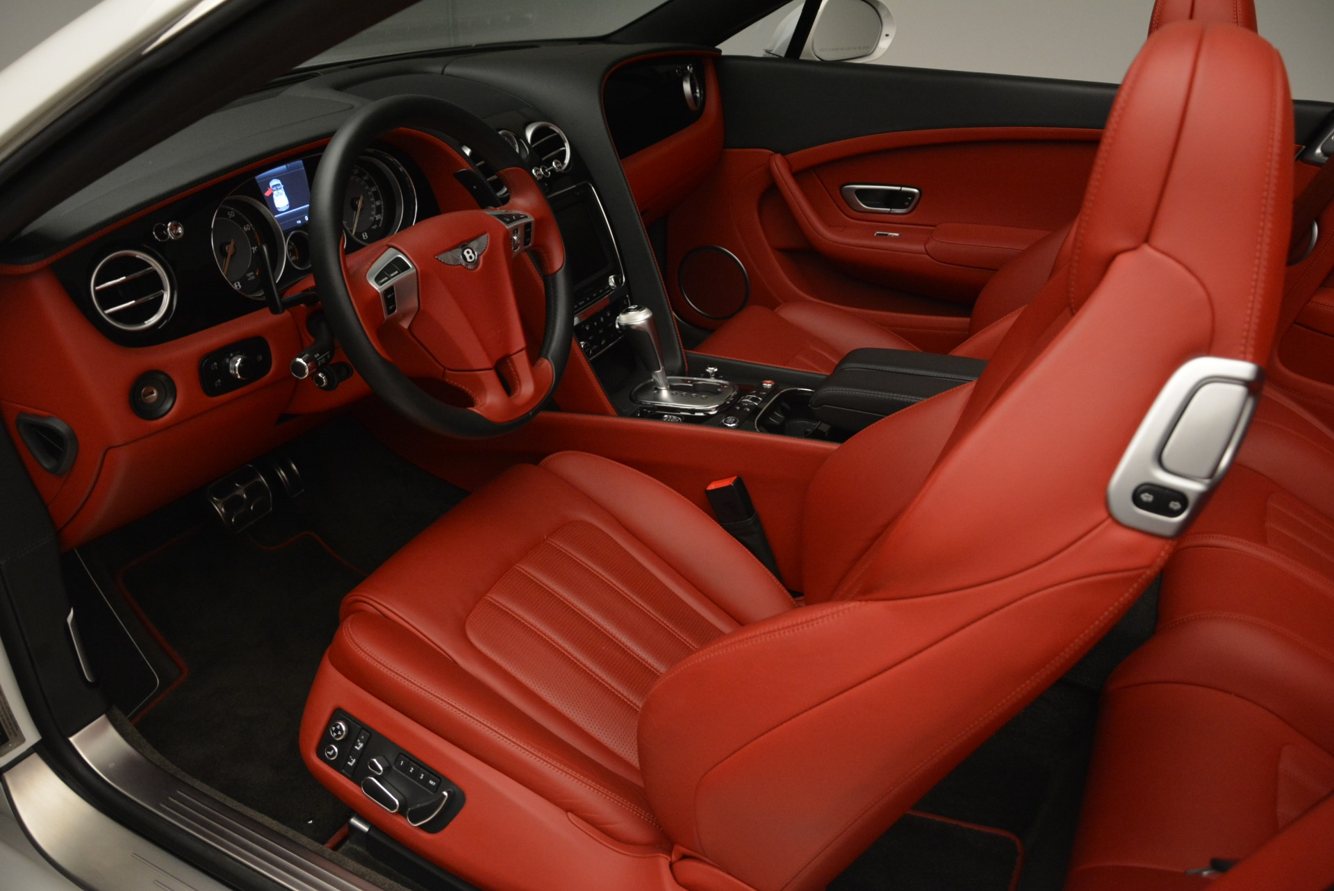 Used 2015 Bentley Continental GT V8 S For Sale In Greenwich, CT 2214_p20