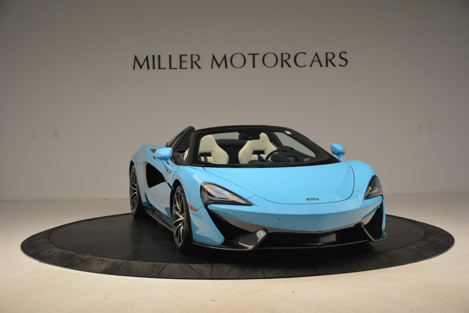 Used 2018 McLaren 570S Spider For Sale In Greenwich, CT 2215_p11