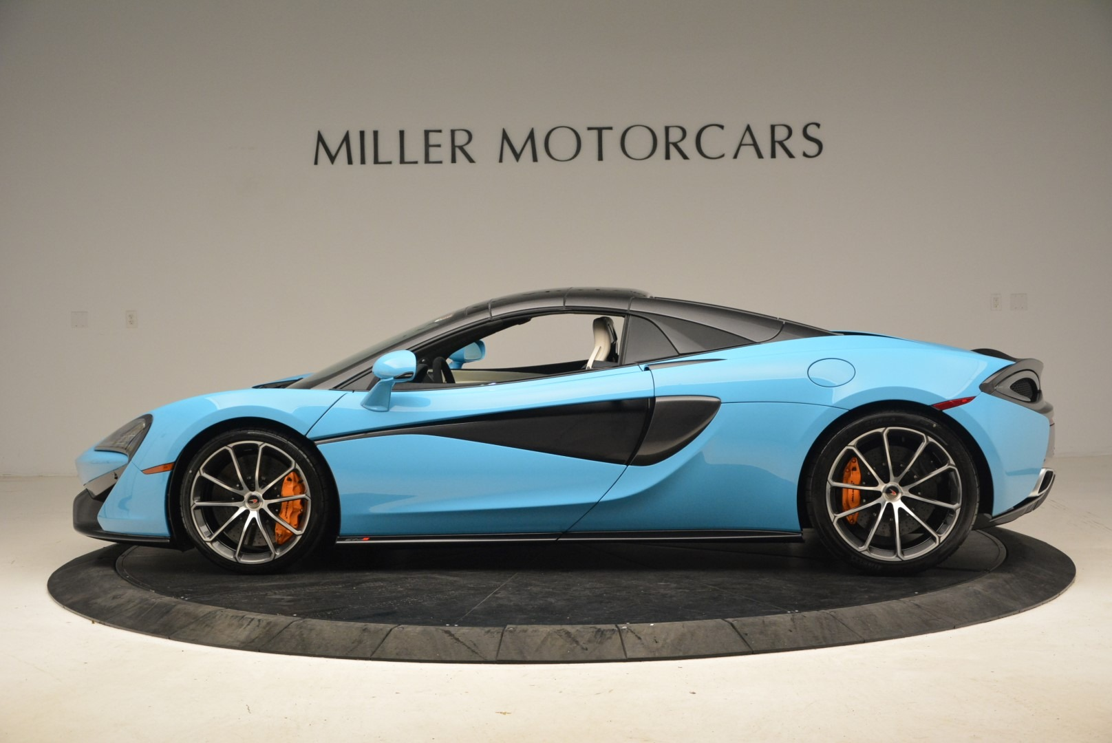 Used 2018 McLaren 570S Spider For Sale In Greenwich, CT 2215_p16