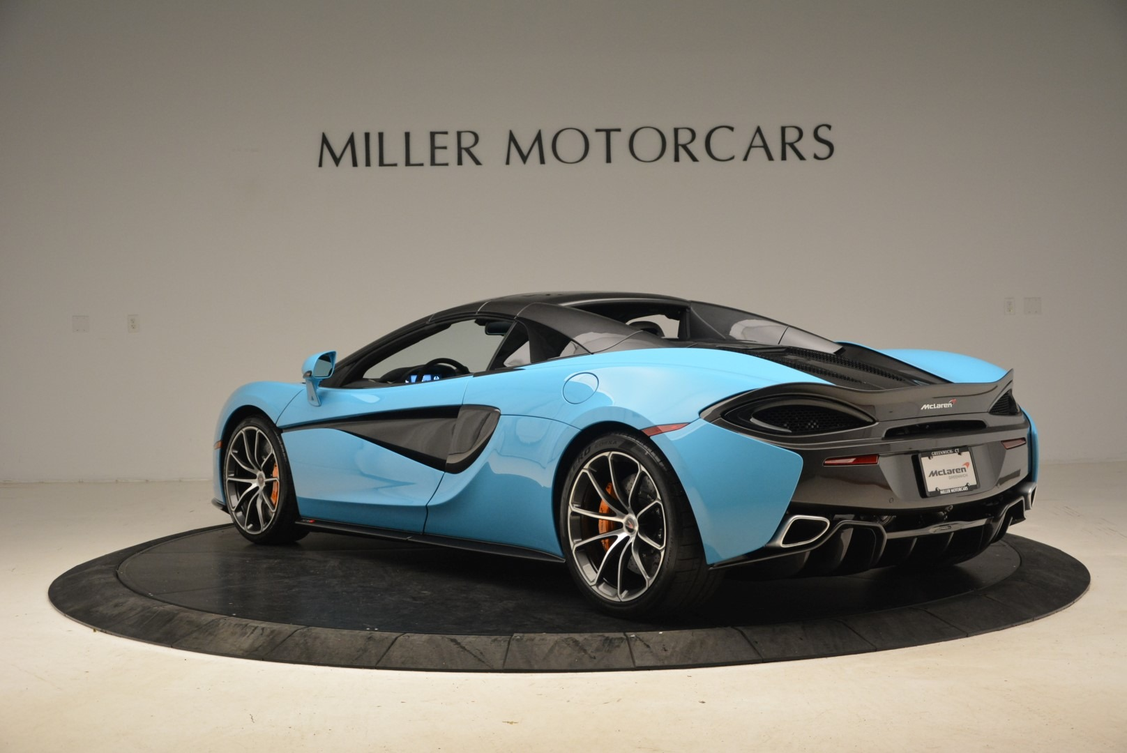 Used 2018 McLaren 570S Spider For Sale In Greenwich, CT 2215_p17