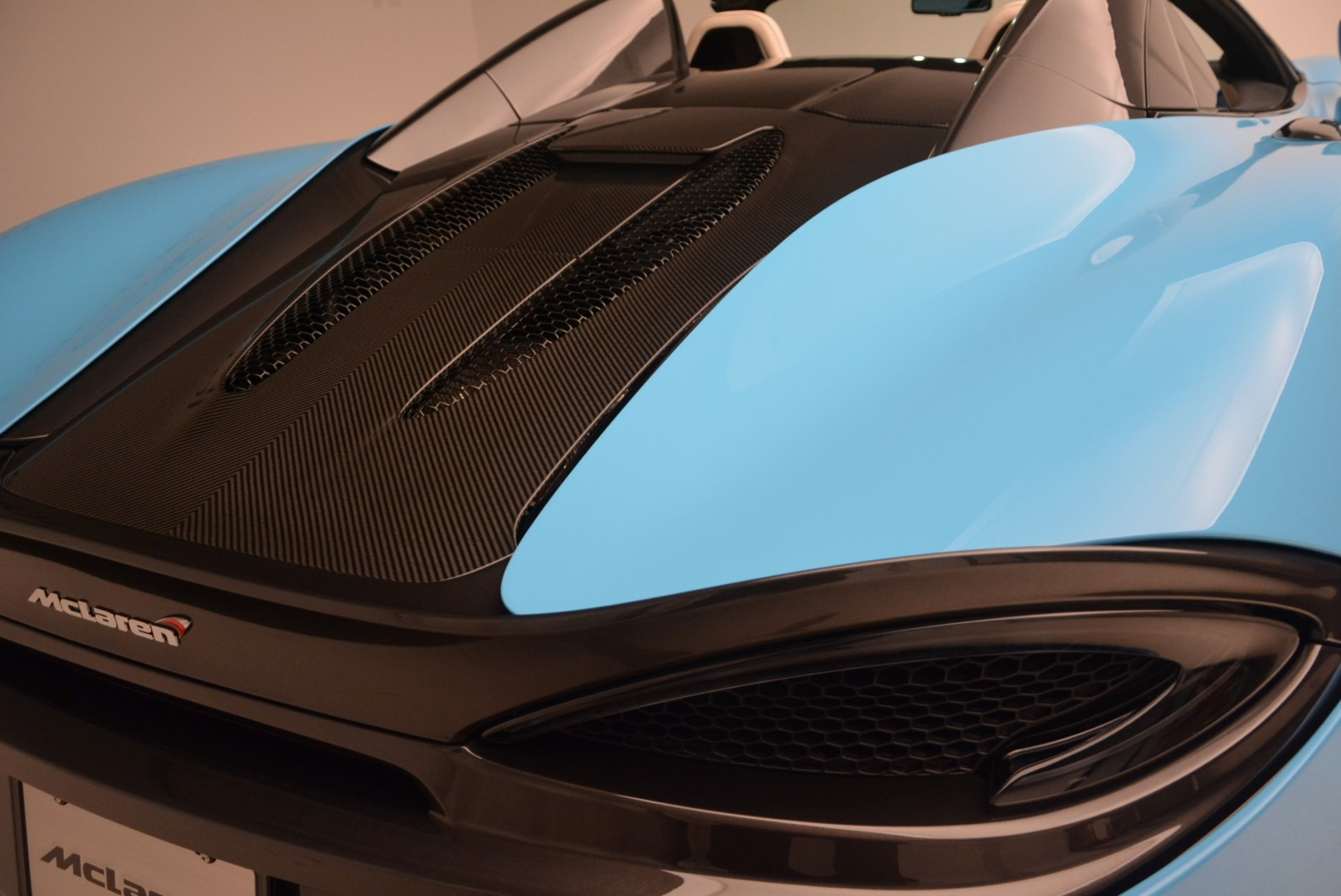 Used 2018 McLaren 570S Spider For Sale In Greenwich, CT 2215_p24