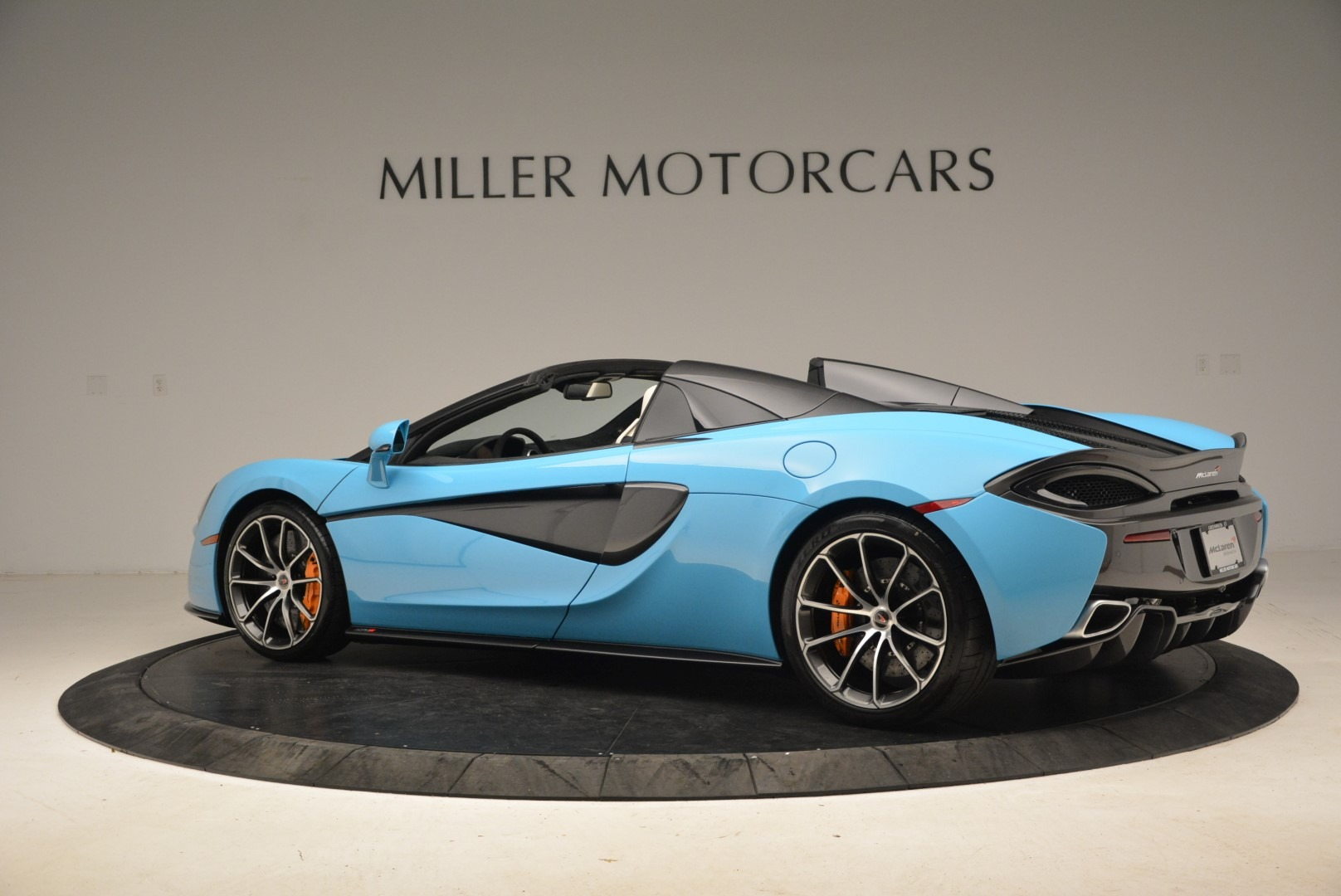Used 2018 McLaren 570S Spider For Sale In Greenwich, CT 2215_p4