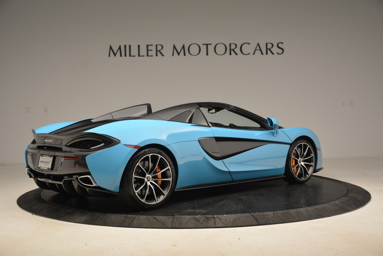 Used 2018 McLaren 570S Spider For Sale In Greenwich, CT 2215_p8