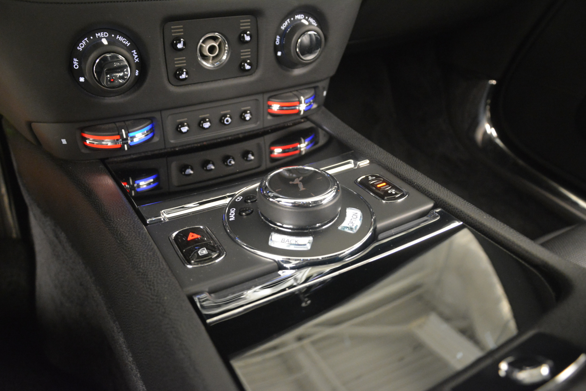 Used 2014 Rolls-Royce Wraith  For Sale In Greenwich, CT 2216_p22