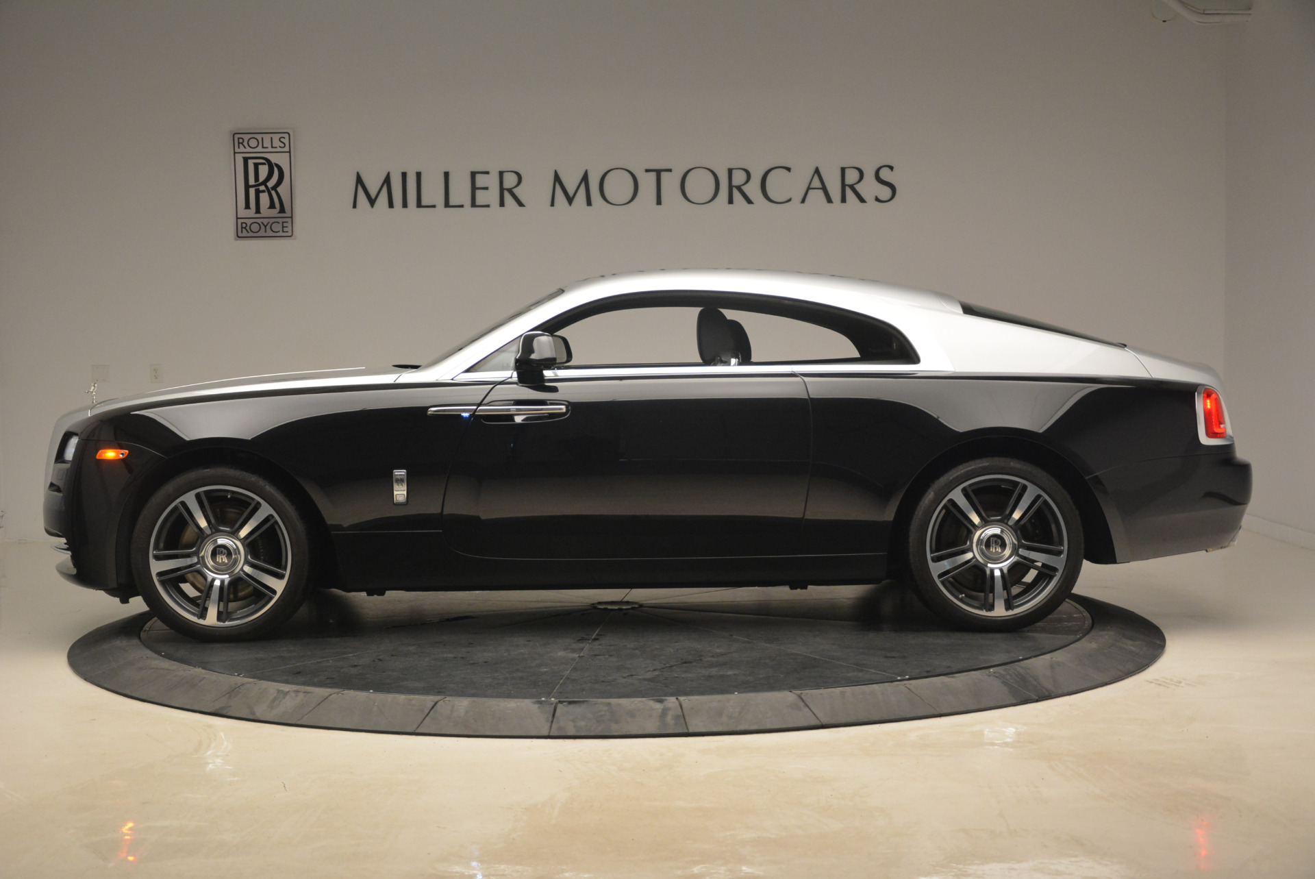 Used 2014 Rolls-Royce Wraith  For Sale In Greenwich, CT 2216_p3