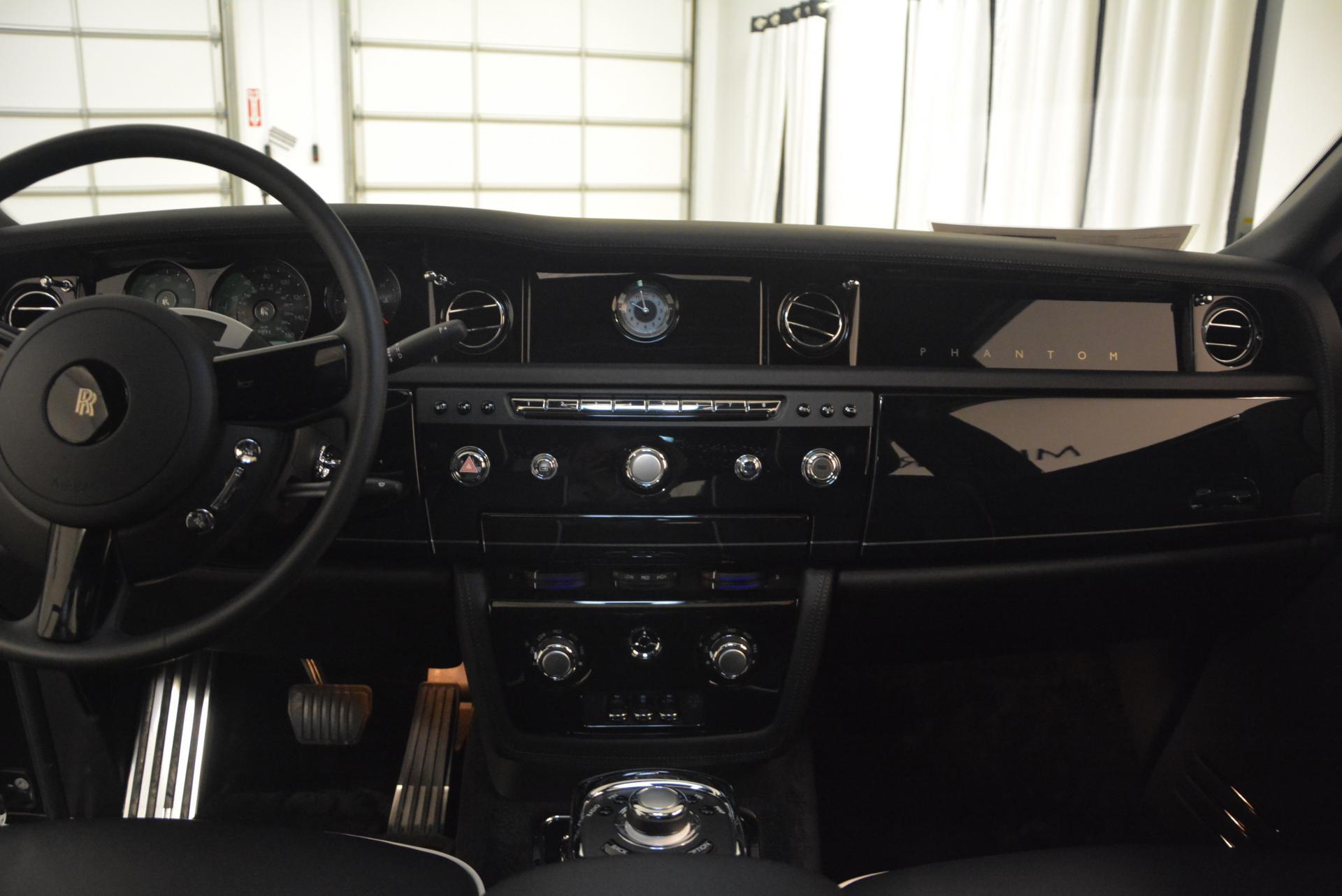 New 2016 Rolls-Royce Phantom  For Sale In Greenwich, CT 222_p11