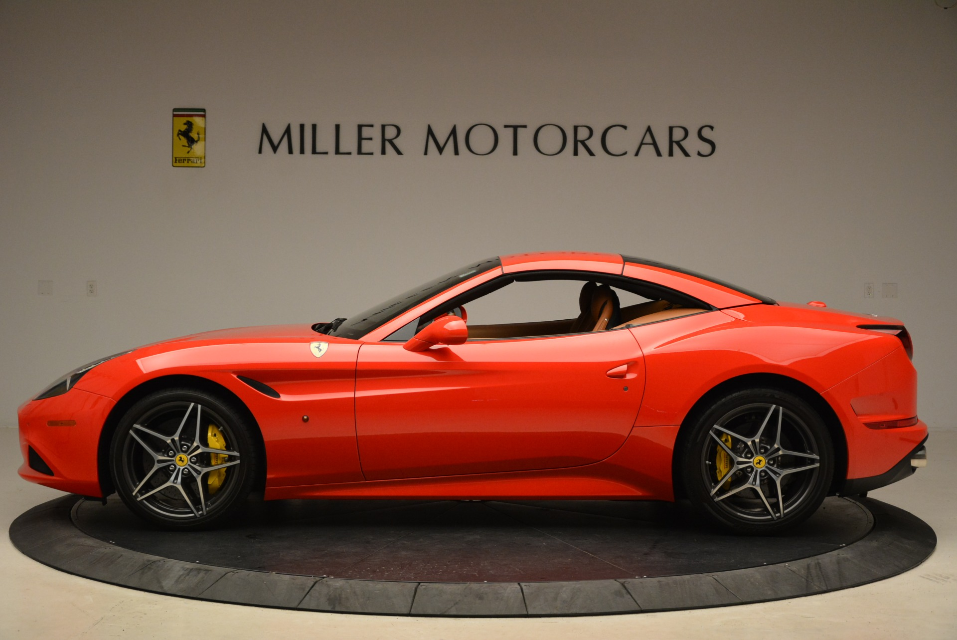 Used 2015 Ferrari California T  For Sale In Greenwich, CT 2221_p15