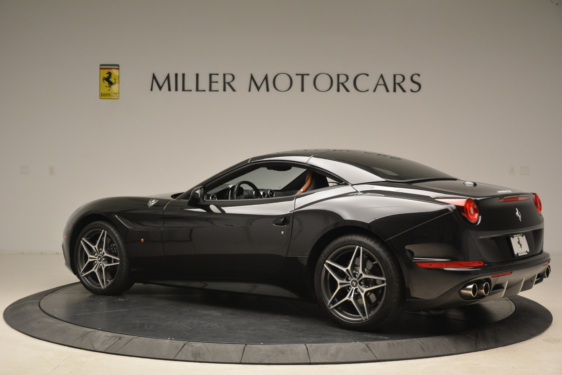 Used 2015 Ferrari California T  For Sale In Greenwich, CT 2224_p16