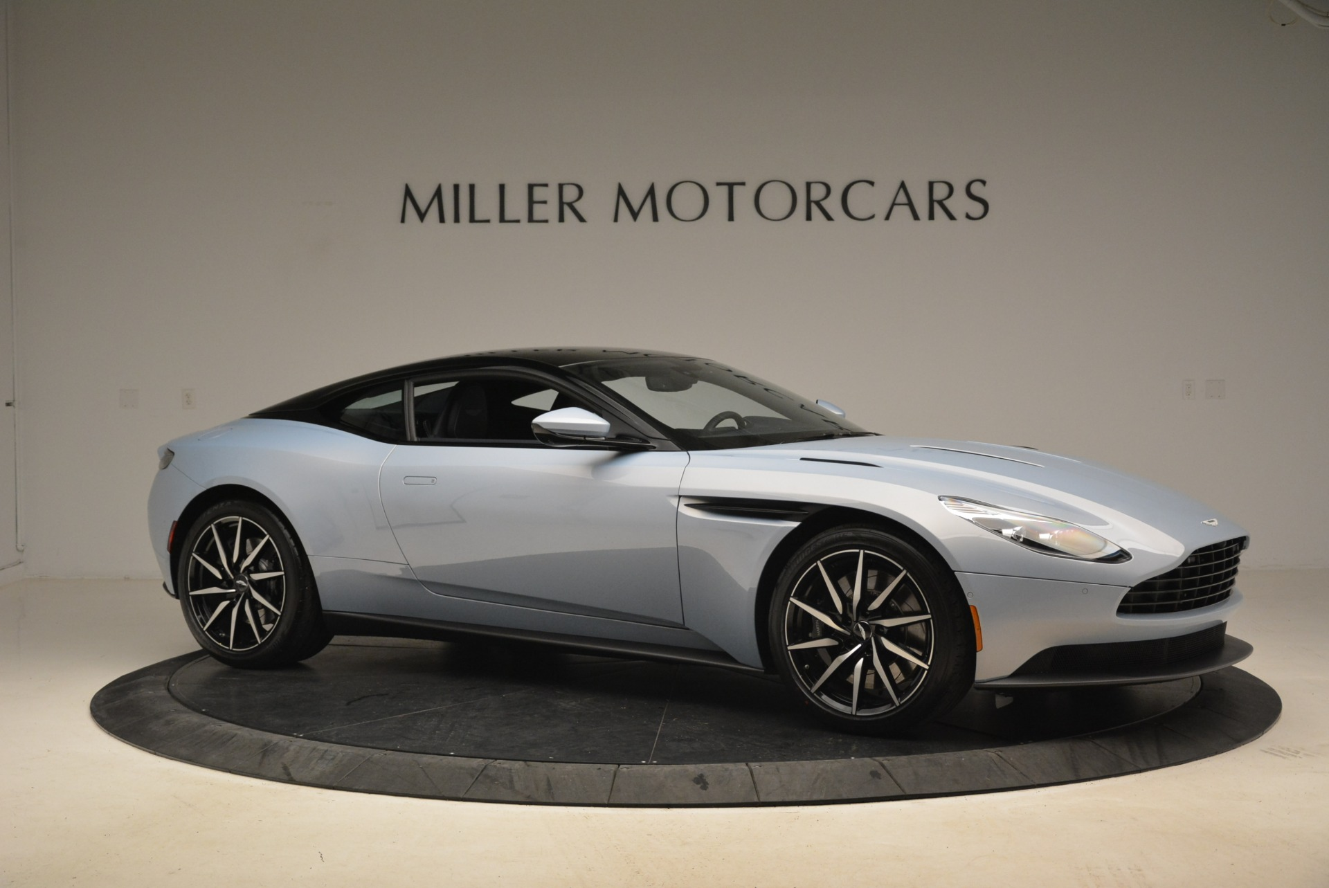 New 2018 Aston Martin DB11 V12 For Sale In Greenwich, CT 2225_p10