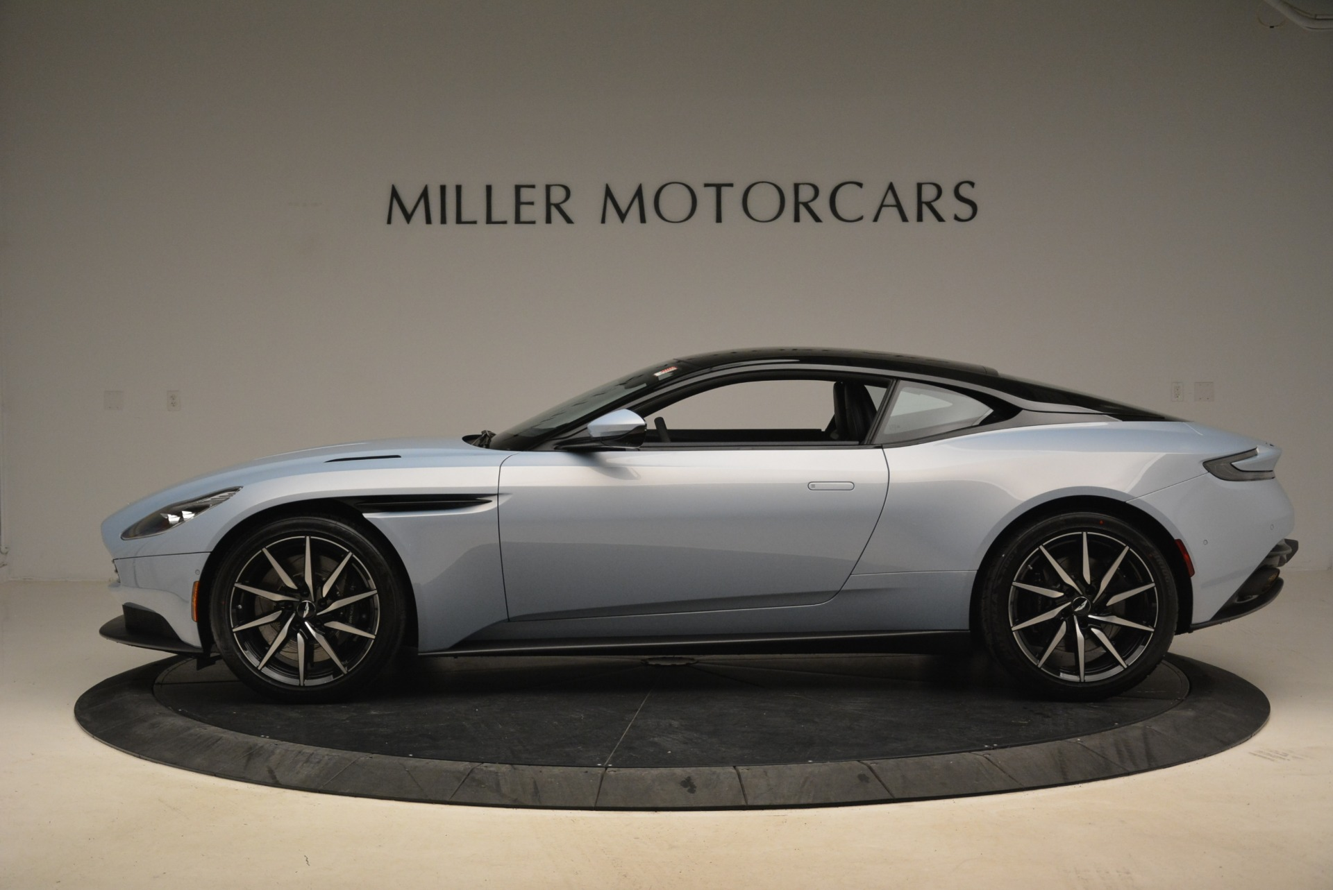 New 2018 Aston Martin DB11 V12 For Sale In Greenwich, CT 2225_p3