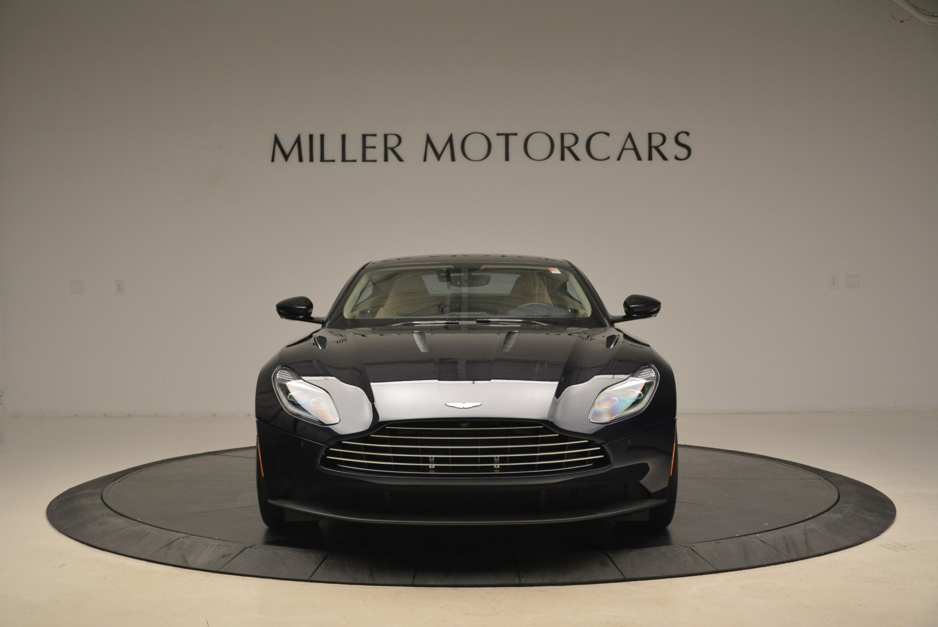 New 2018 Aston Martin DB11 V12 Coupe For Sale In Greenwich, CT 2227_p12