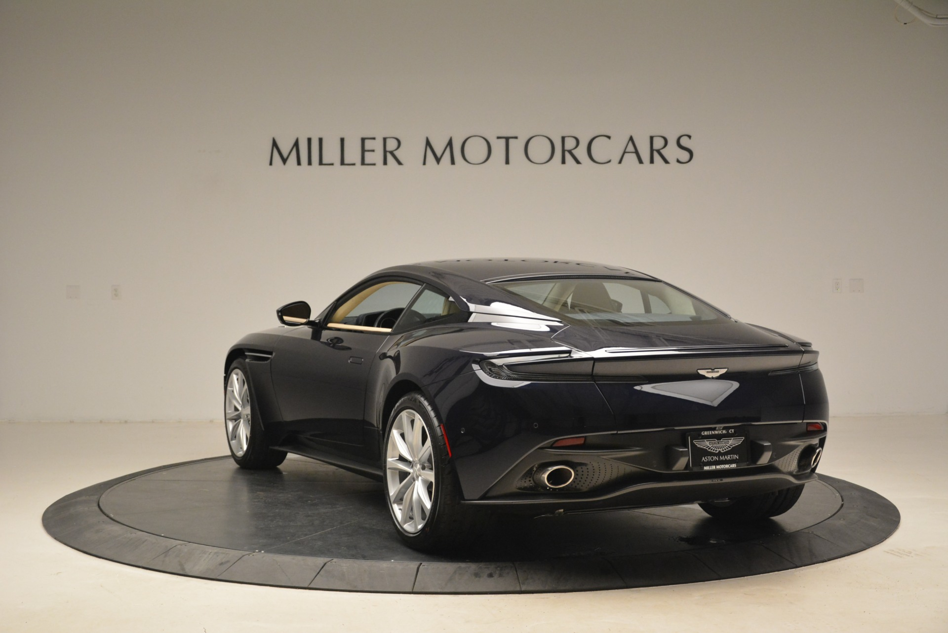New 2018 Aston Martin DB11 V12 Coupe For Sale In Greenwich, CT 2227_p5