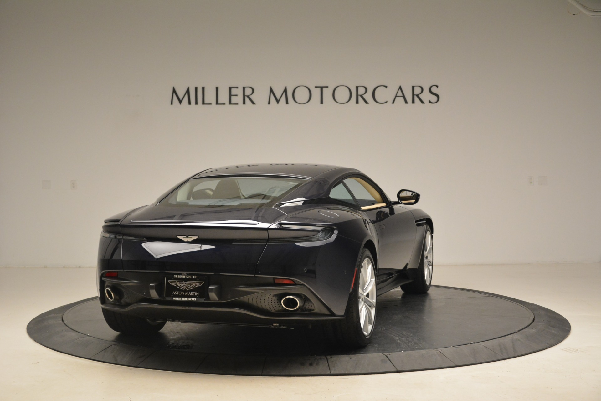 New 2018 Aston Martin DB11 V12 Coupe For Sale In Greenwich, CT 2227_p7