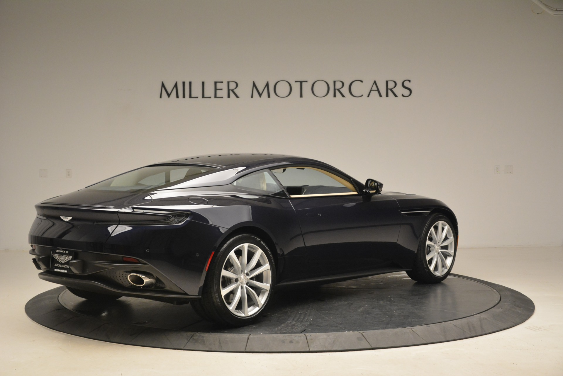 New 2018 Aston Martin DB11 V12 Coupe For Sale In Greenwich, CT 2227_p8