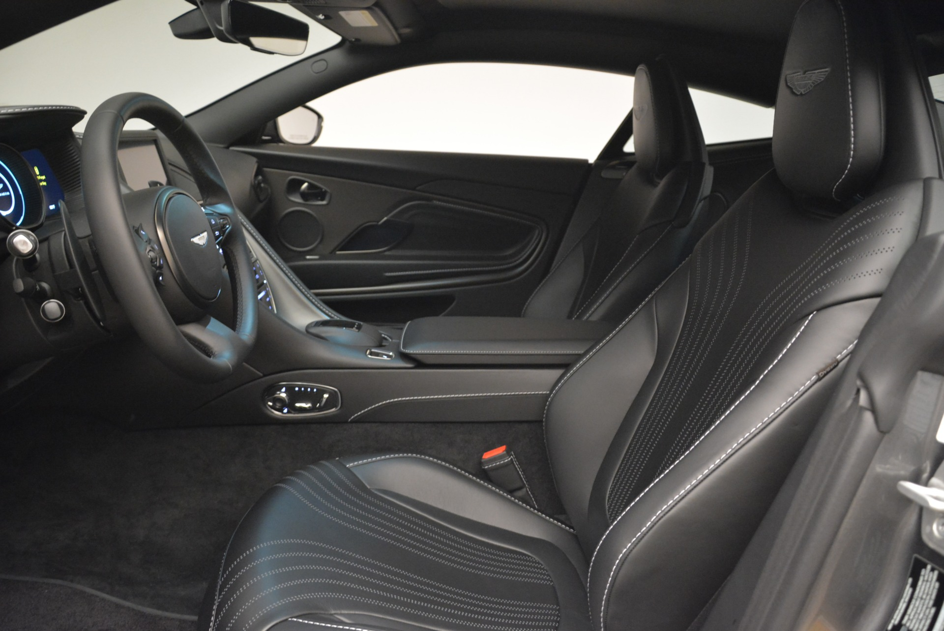 New 2018 Aston Martin DB11 V12 Coupe For Sale In Greenwich, CT 2228_p13